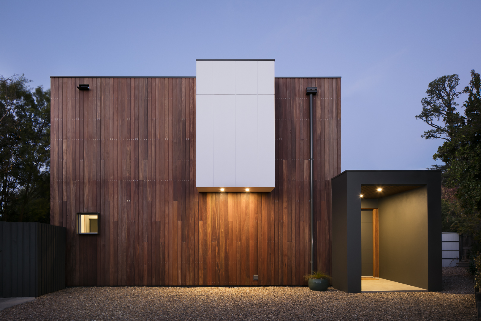 marina-mcdonald-architectural-photography-canberra-adam-hobill-design-exterior-timber-entrance