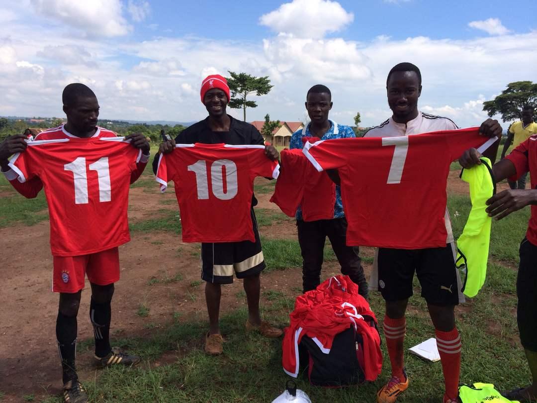 010 The kit arrives in Uganda.jpg