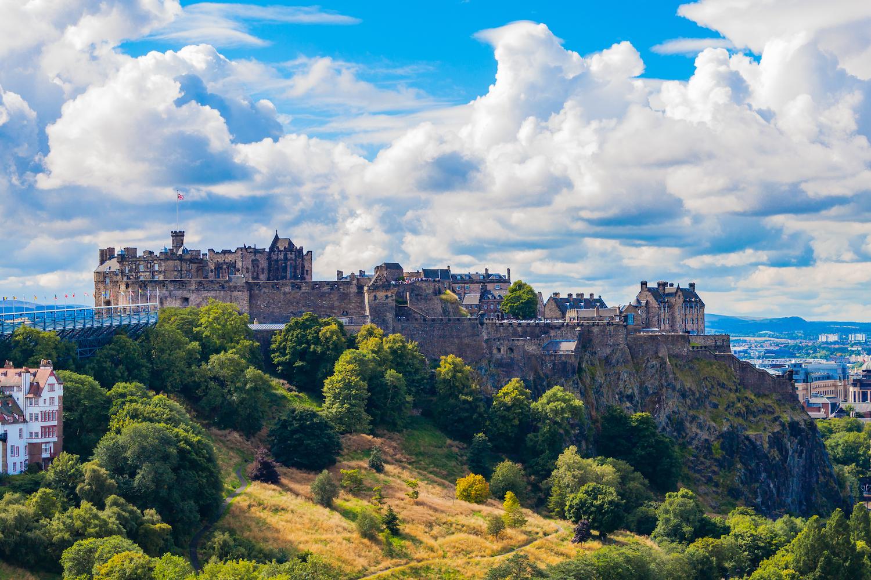 The Edinburgh Photography Tour. Edinburgh Castle and Princes Street Gardens, Scotland.jpg