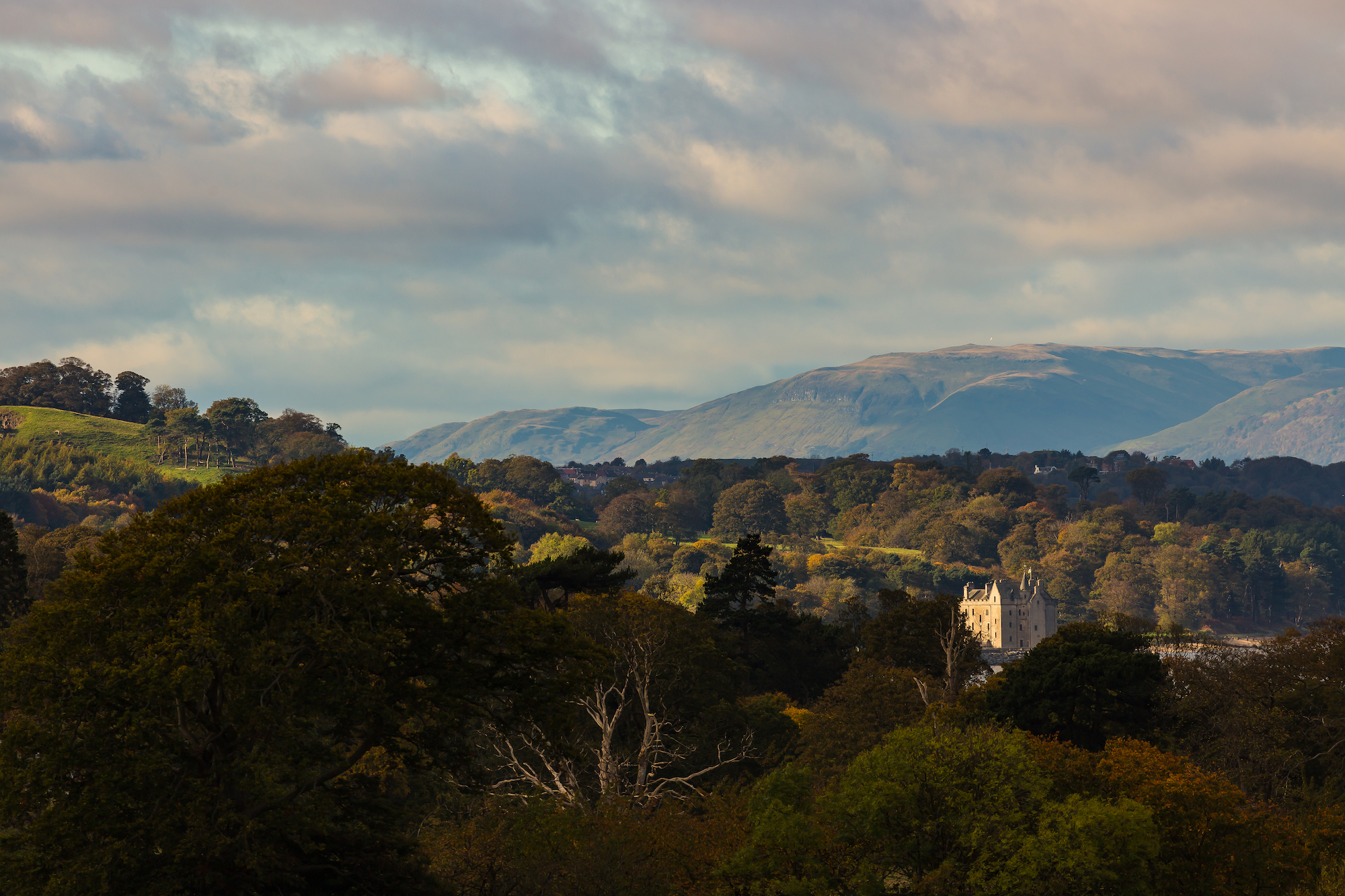 (819) Barnbougle Castle, Scots Baronial Style Tower House, Dalmeny Estate, Earl of Rosebery Estate, Queensferry, Firth of Forth, Edinburgh, Scotland. Copyright David Wheater.jpg