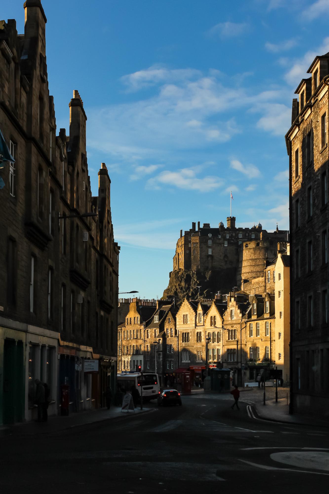 (586) Cowgatehead to the Grassmarket and Edinburgh Castle, Edinburgh, Scotland.jpg