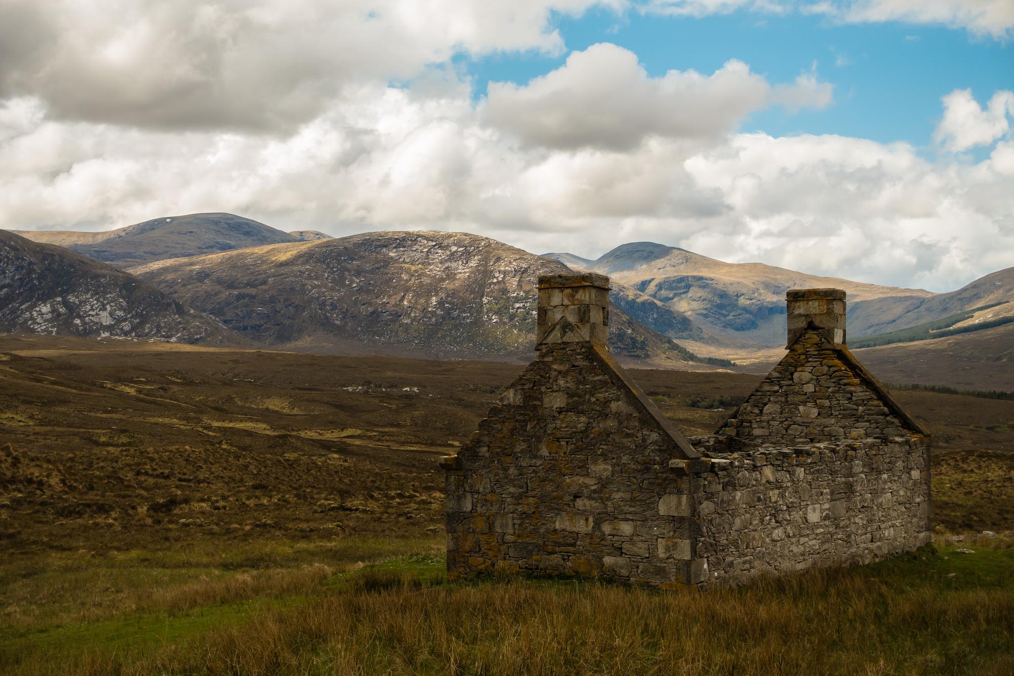 (210) (PO) Deserted croft looking to Sail nan Aighean and Sail an Las, Strath More, Sutherland, Scotland.jpg