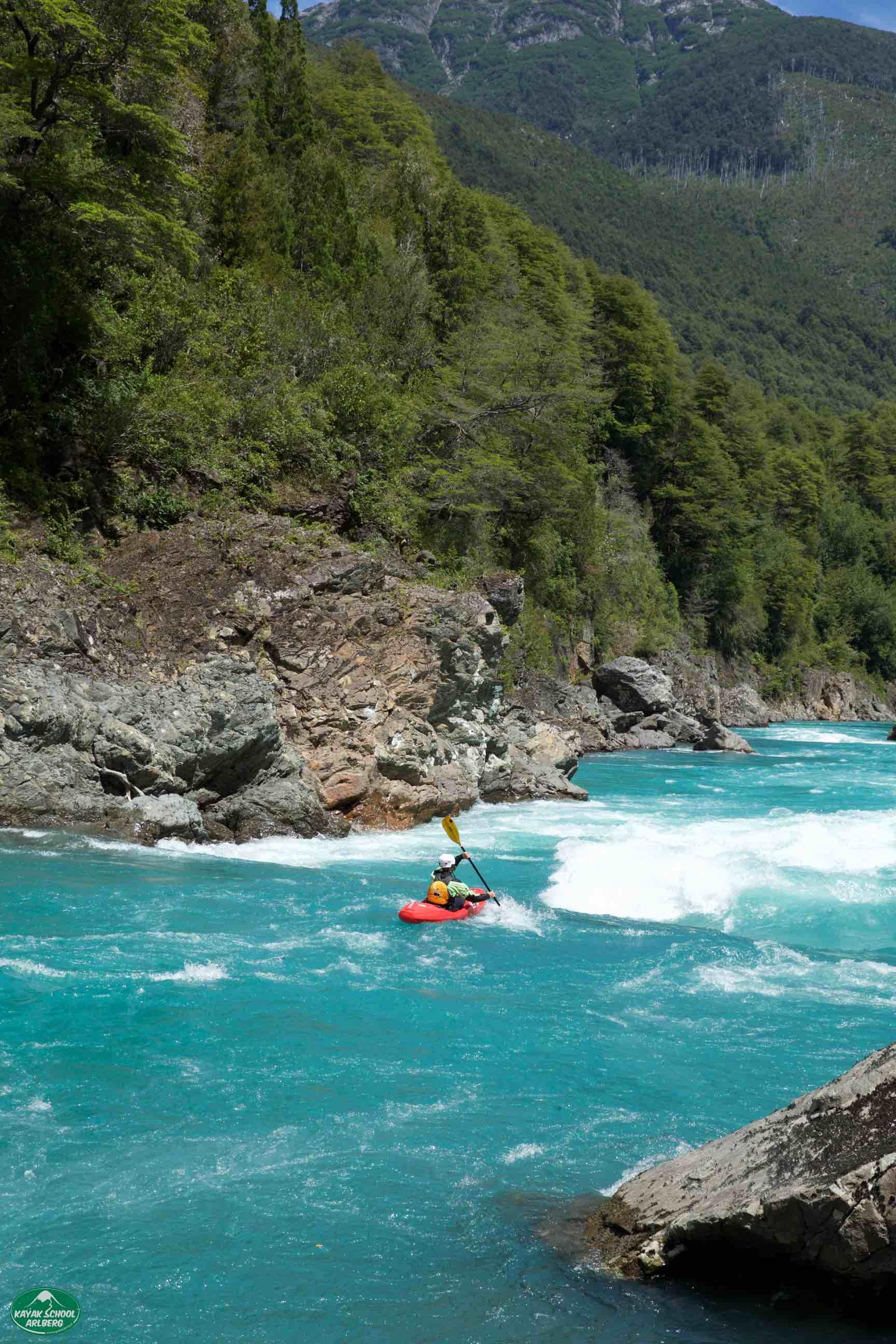 Kayak-Chile-Patagonia-Rio-Puelo-01.jpg