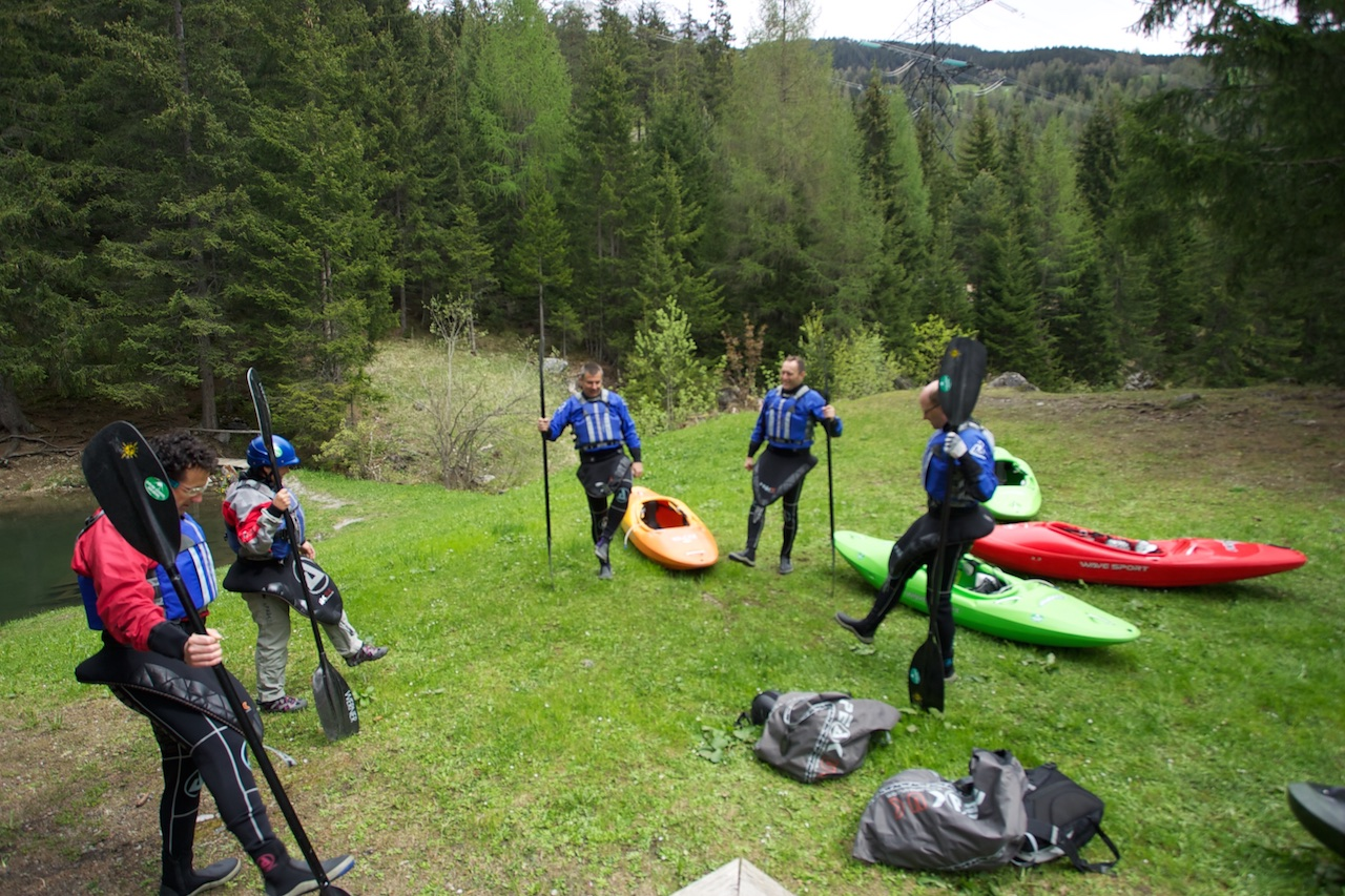 Beginner-Group-Kayaking-Courses.jpg