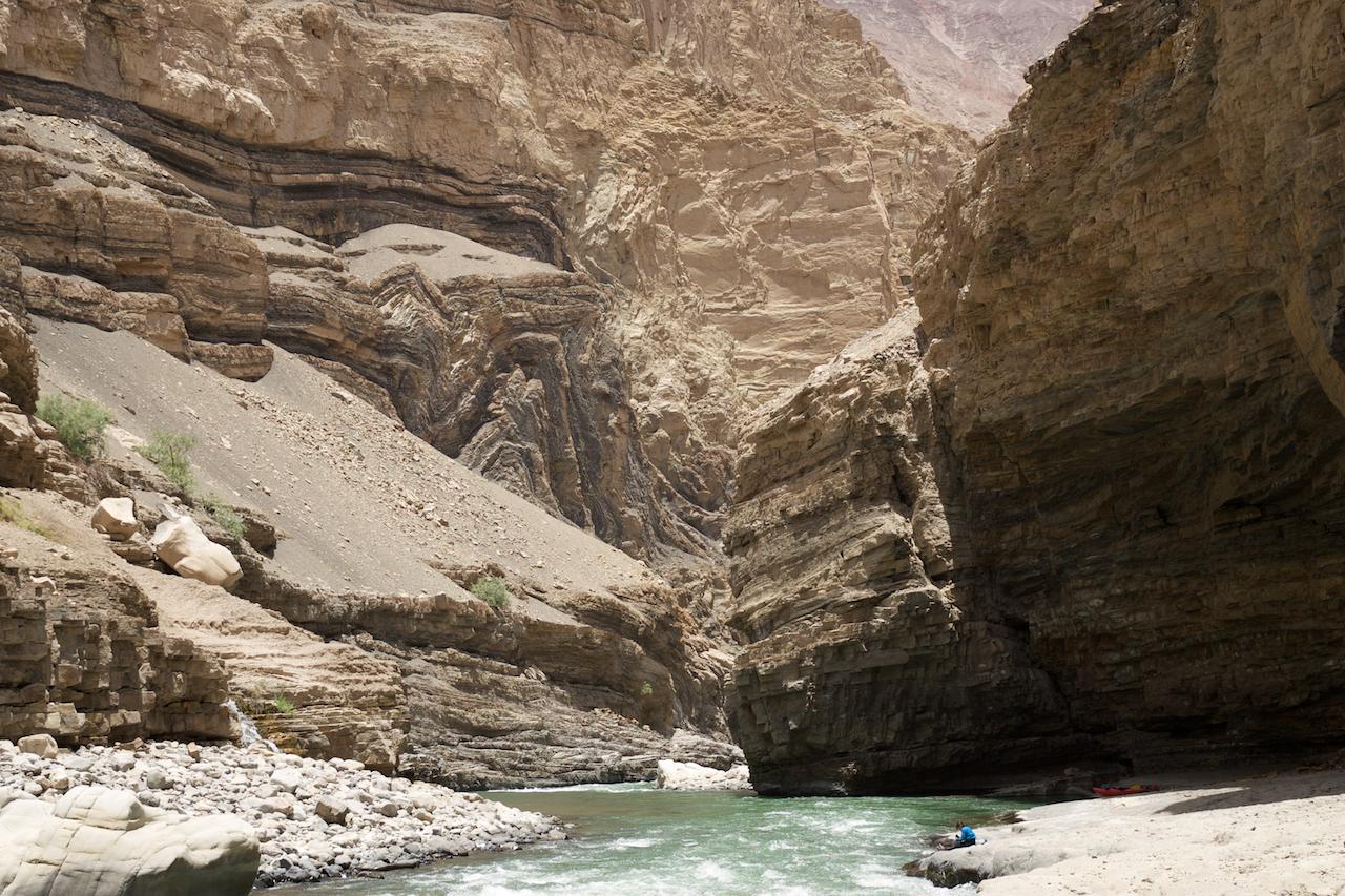 Ducha-Del-Condor-Colca-Canyon.jpg