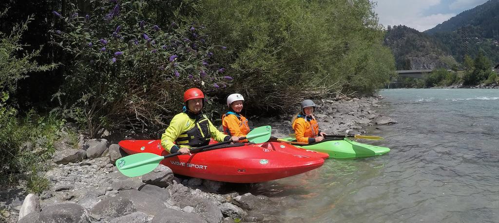 Beginner-Kayaking-Courses.jpg