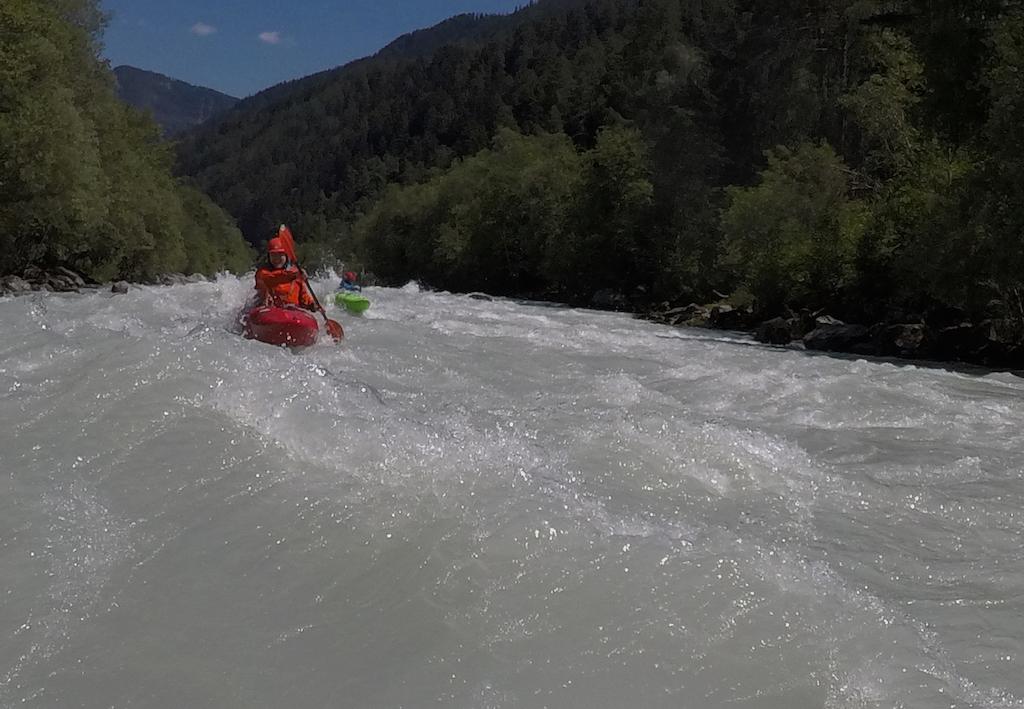 Kayaking-Landeck-Gorge.jpg
