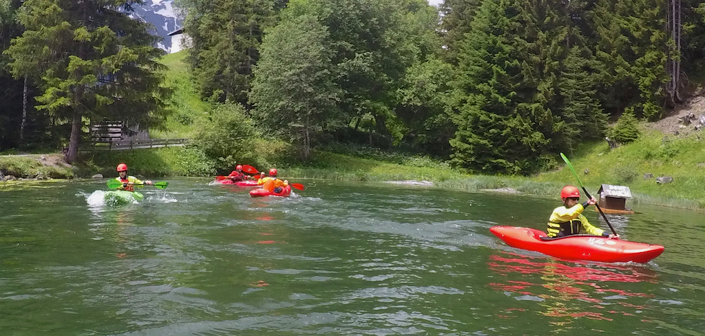 Beginners-Kayaking-Courses.jpg