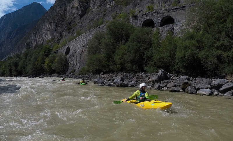 Alps Kayaking, Anfänger Kajakkurs, Beginners Kayaking Course, Class II Kayaking Course, Kajak Austria, Kajakfahren in den Alpen, Kajakschule Arlberg, Kajakschule Austria, Kanuschule Austria, Kayak Austria, Kayak Guiding Europe, Kayak School Arlberg, Kayak School Austria, Kayak School Europe, Kayaking School Europe, WW II Kajakkurs