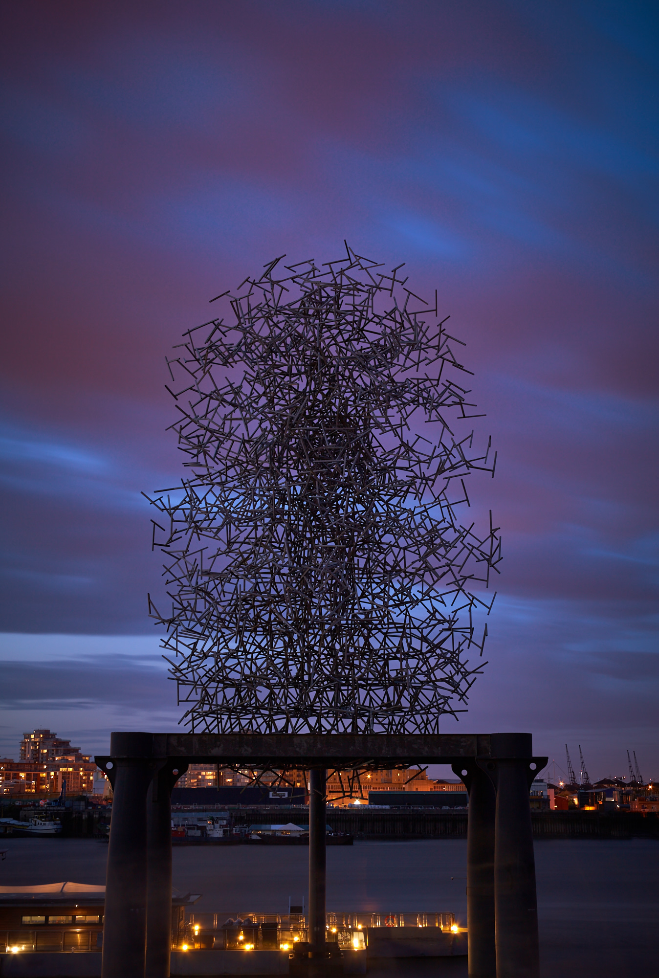Anthony Gormley – Quantum Cloud