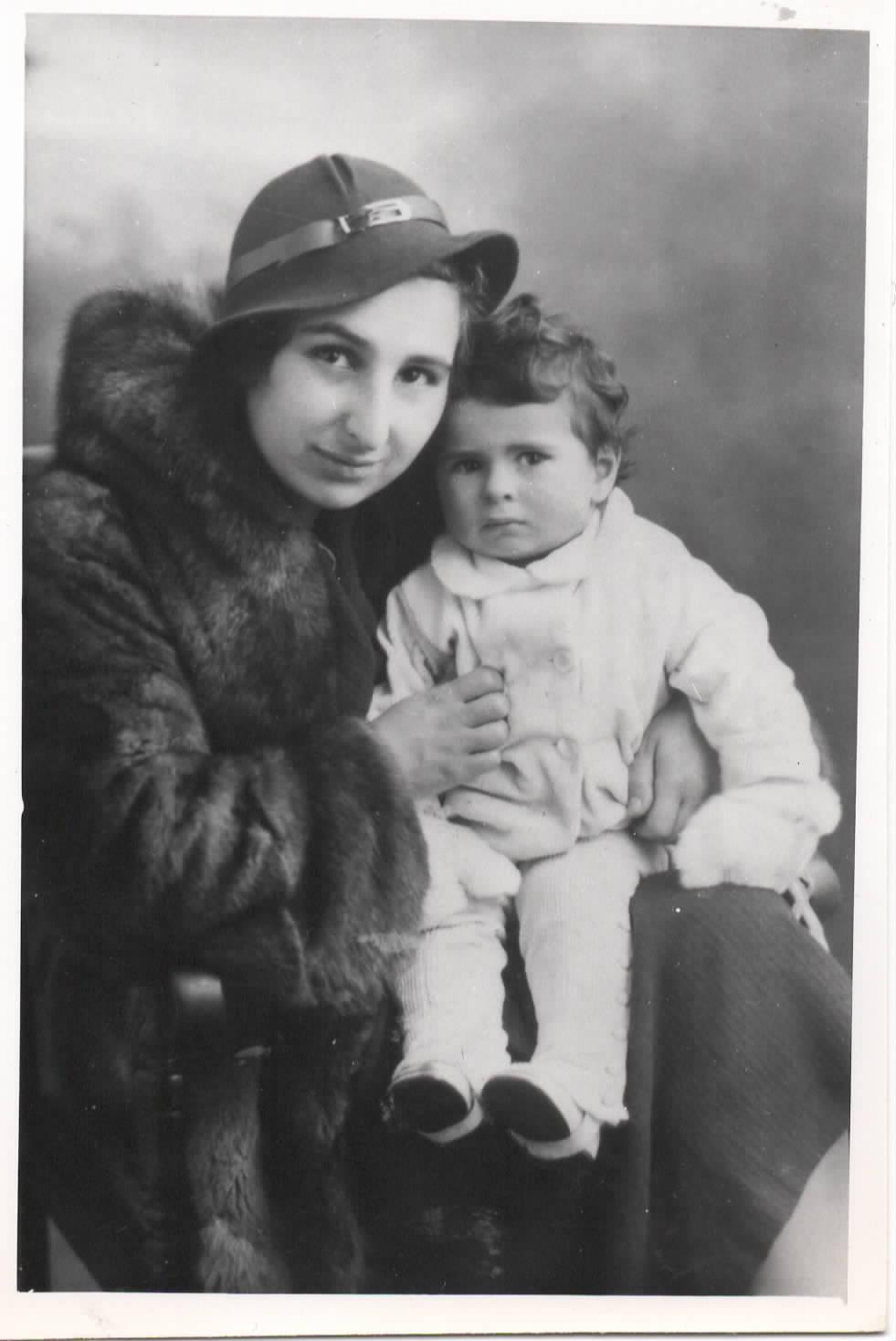 Eva in 1943 with her daughter, Sara's Aunt