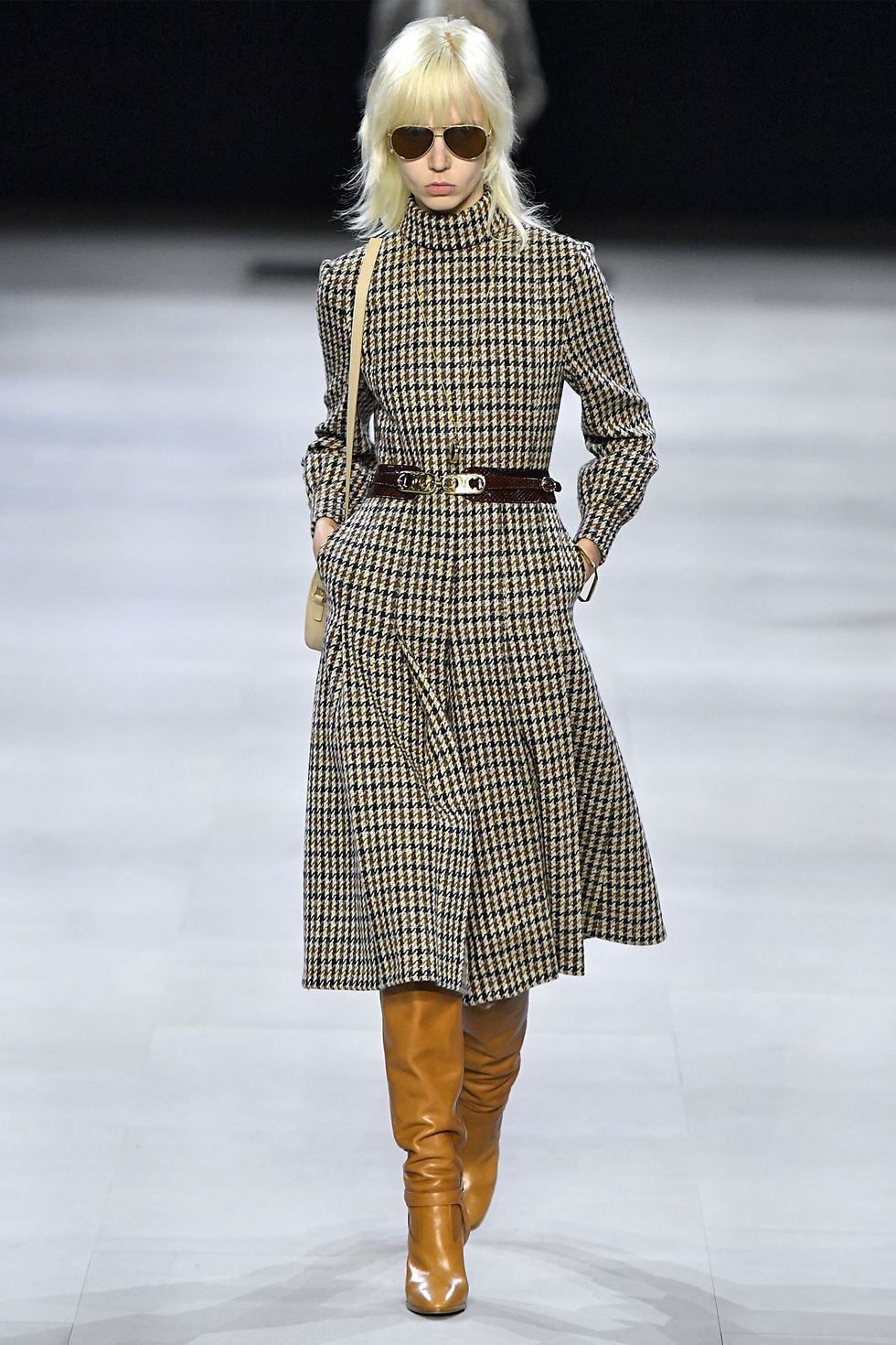 hbz-fw2019-trends-english-tweed-02-gettyimages-1133145428.jpg