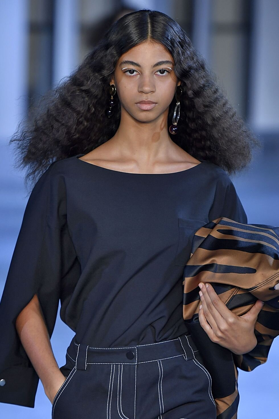 model-walks-the-runway-at-the-3-1-phillip-lim-ready-to-wear-news-photo-1129089590-1567007709.jpg