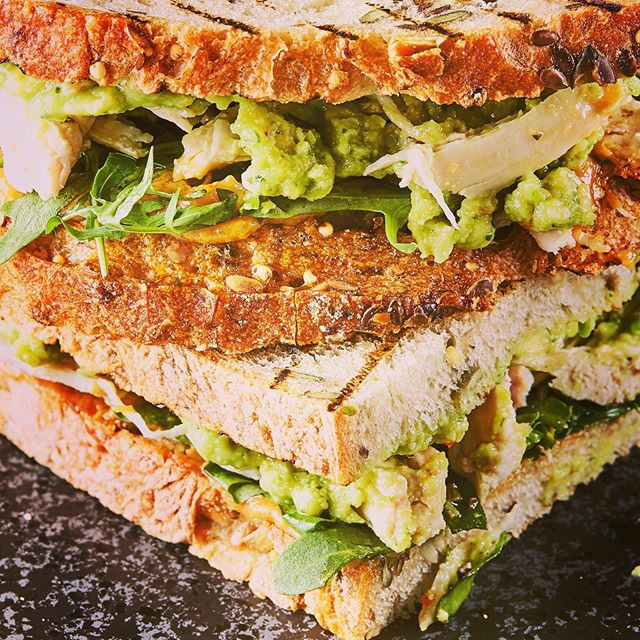 The king of sandwiches… Toasted Chicken Miso Avocado! _______________________________________ Made with an artisanal sourdough for lower GI, better gut health, higher micronutrient content & easier digestion of gluten. Enhanced with omega-rich seeds. And free from refined sugars & artificial additives of course, as is everything at SHOT! _______________________________________ 564kcal / 37g protein / 58g carbs (5g sugars) / 22g fat (4g saturates) / 8g fibre _______________________________________ 123% RDA Manganese / 98% vit B3 / 72% Phosphorus / 56% vit B6 / 47% vit B1 / 45% Potassium _______________________________________ Boosts energy-yielding metabolism / bone health / nervous system function / oxidative stress protection / skin health / reduction of fatigue _______________________________________ *Health claims verified in accordance with the EU Register of Nutrition & Health Claims
