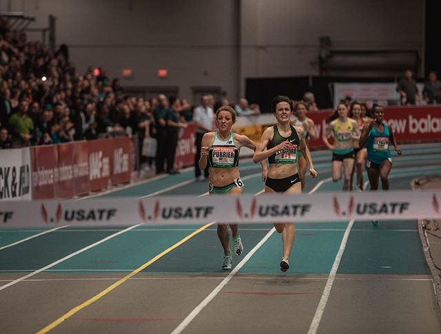 In her indoor pro debut last night, @elleruns_4_her_life shot off of the turn for an extremely tight finish.   Elle ran 4:24.88, a 2 second PB & number 2 in the world this year behind race winner @gabrielastafford of Canada.   📷: @justinbritton  #TeamNB  (How about those new @nbrunning kits👀🔥)