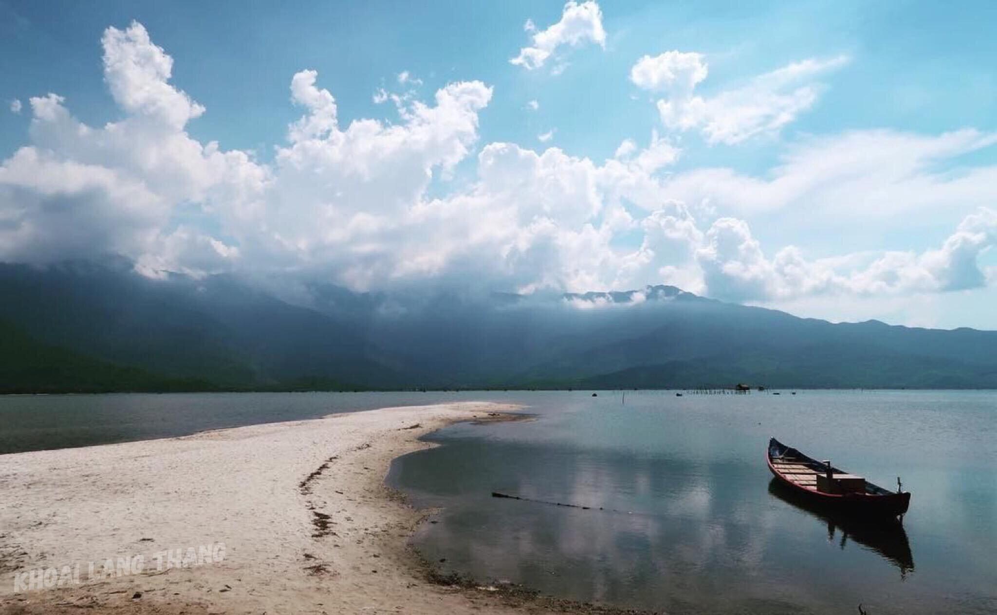 Đất nước qua góc nhìn của Khoai Lang Thang