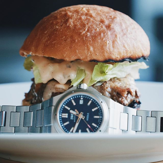 Forget about the watch, I'm hungry! 🍔 #IWC #Ingenieur #Laureus #SportforGood #IW323909 #iwcingenieur #iwclaureus #geraldgenta #sportswatch