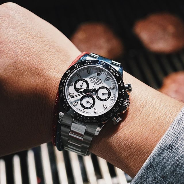 Putting the Daytona to good use. 🍔 🐼⌚️#Rolex #Daytona #116500LN #RolexDaytona #Cosmograph #CosmographDaytona #DaytonaCeramic #RolexChronograph #chronograph