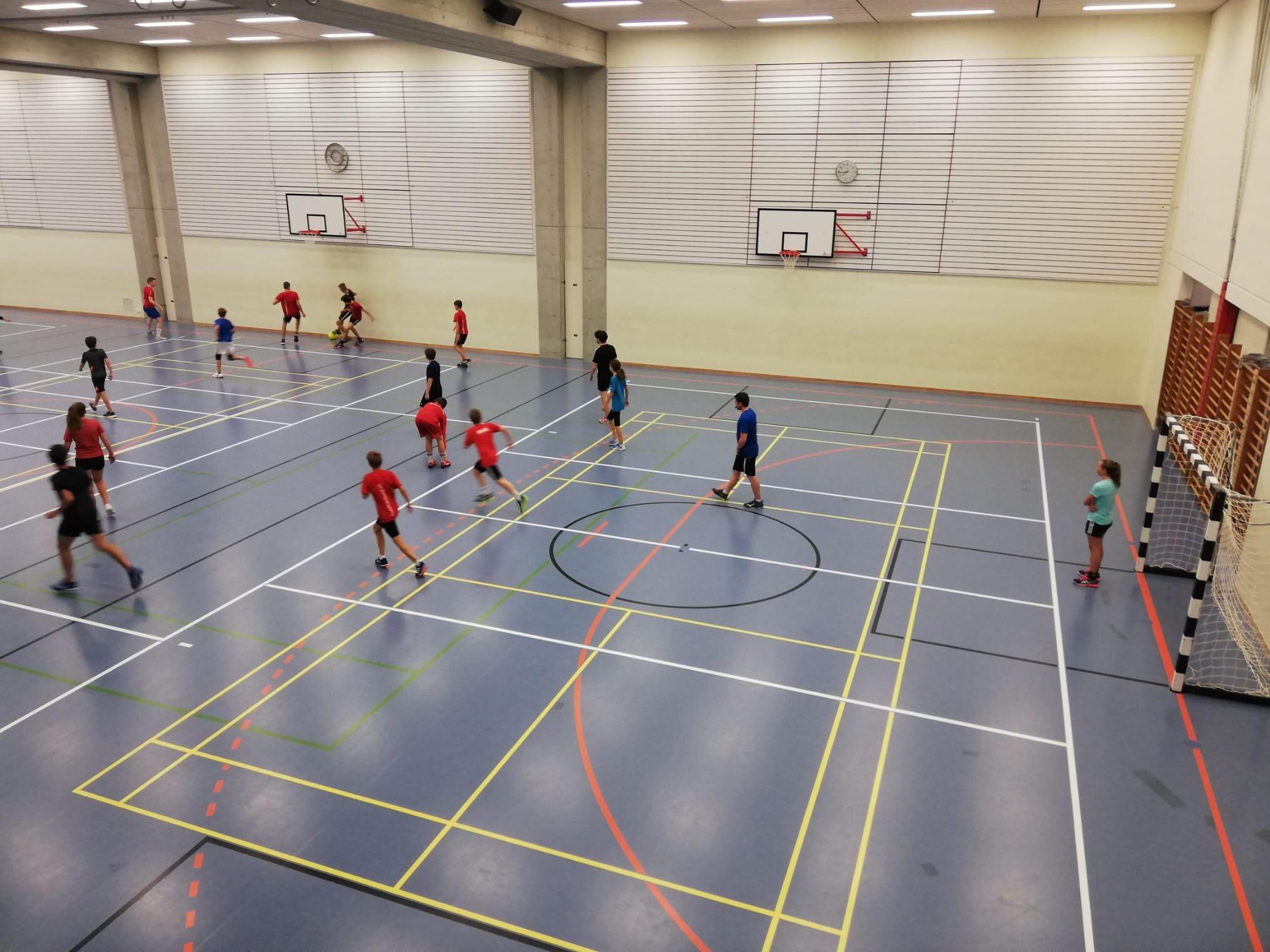 Unsere U15 & U17 Mannschaften geben bei der polysportiven Aktivität vollen Einsatz