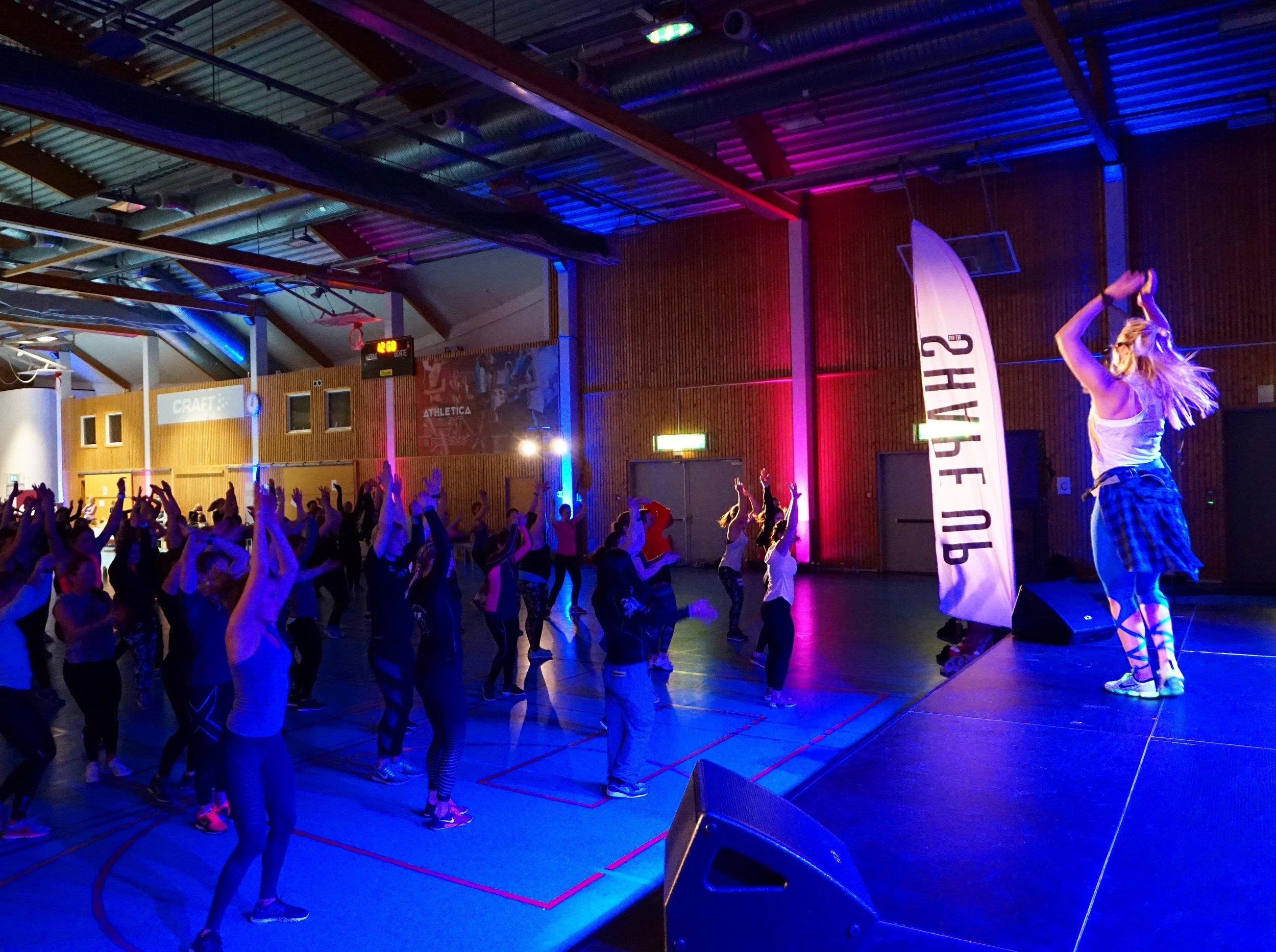 Bildet er fra dansetimen min «DanceUp!» fra årets ShapeUp Convention på Athletica Domus, knipset av Sølve Sundrehagen :)