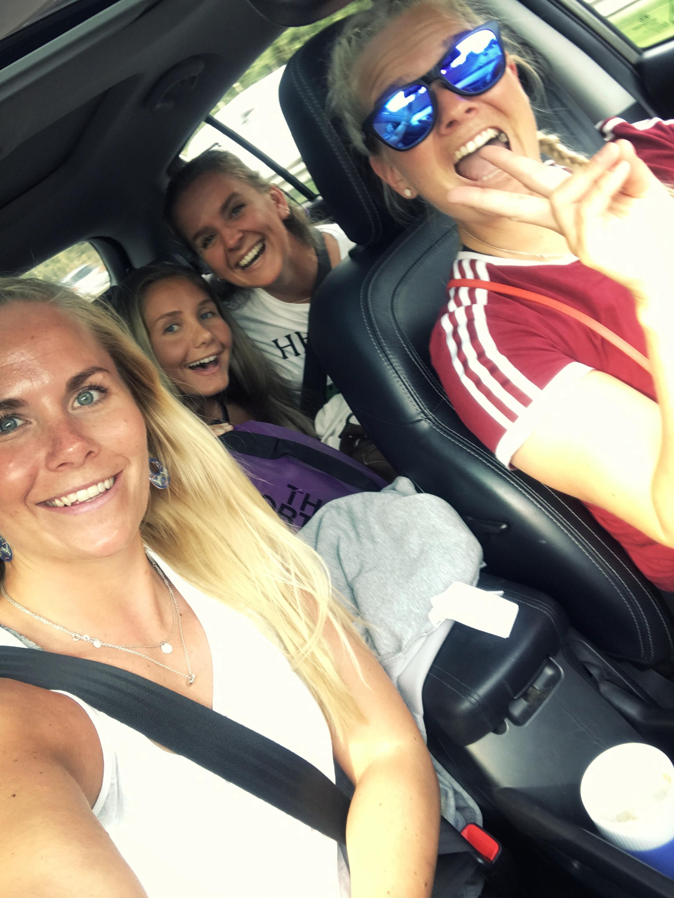 «Girlsa» på vei til Palma! Sammen med kollega og «partner in crime» – Isabel H. Christoffersen, og Maria Bjerke og Emilie Intelhus.