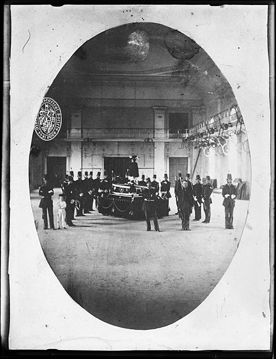 The Wells and McComas Riflemen guarded the remains of the two heroes after they were disinterred from Green Mount Cemetery and lay in state at the  Maryland Institute . Baltimore residents filed by the coffins for two days.