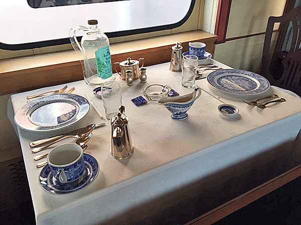 A re-creation of a B&O dining car table at the B&O Museum. Photo by Kathi Santora