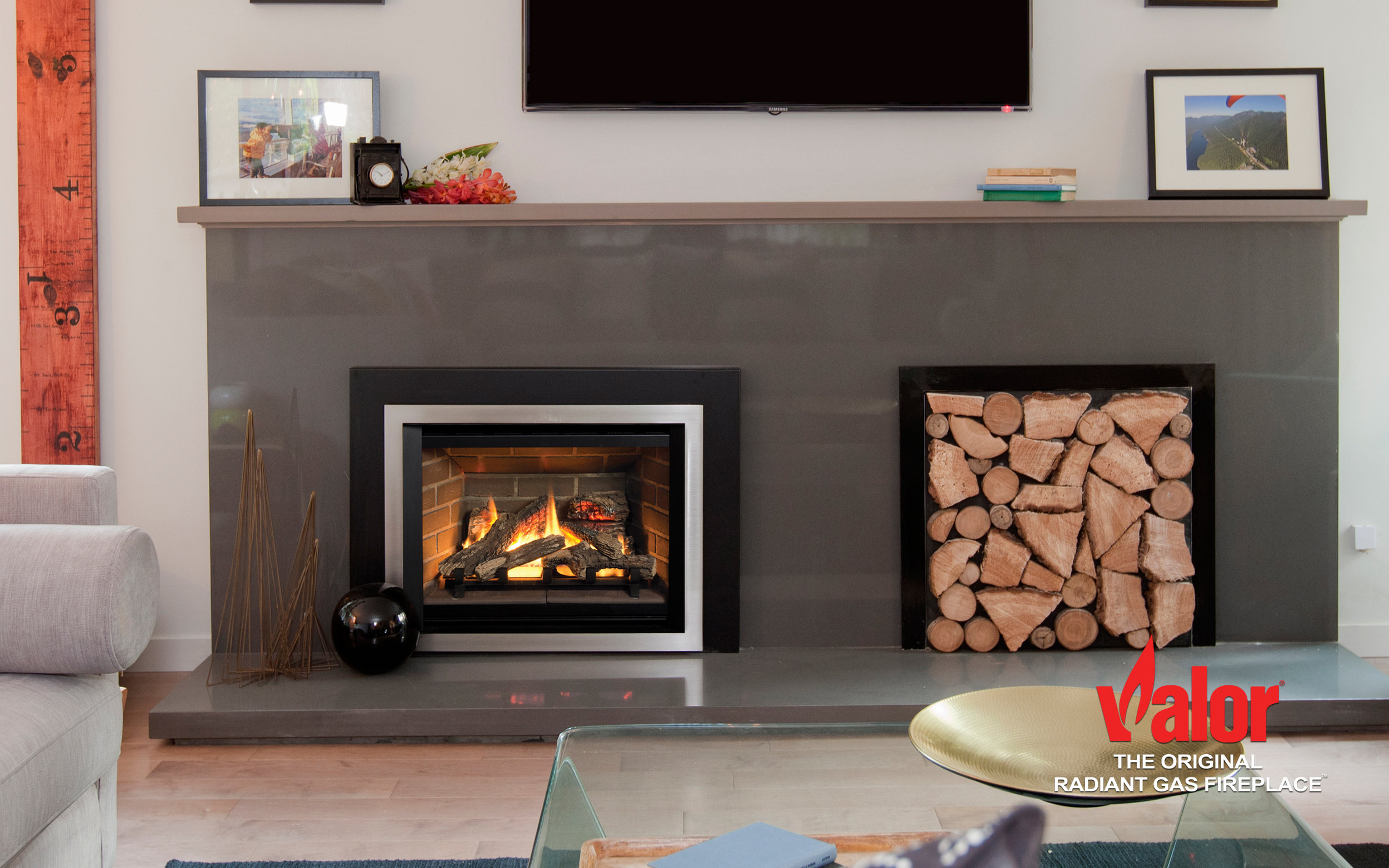 With over two decades of design innovation and four generations of Legend gas insert DNA, it's no surprise that the Legend G3.5 exudes radiance, high efficiency and the ultimate in comfort control. A collection of contemporary trims frame an impressive viewing area, highlighting warm, glowing flames within. Fireplace surrounds include both 3 and 4-sided designs, providing flexible installation options and visual updates to your existing hearth.