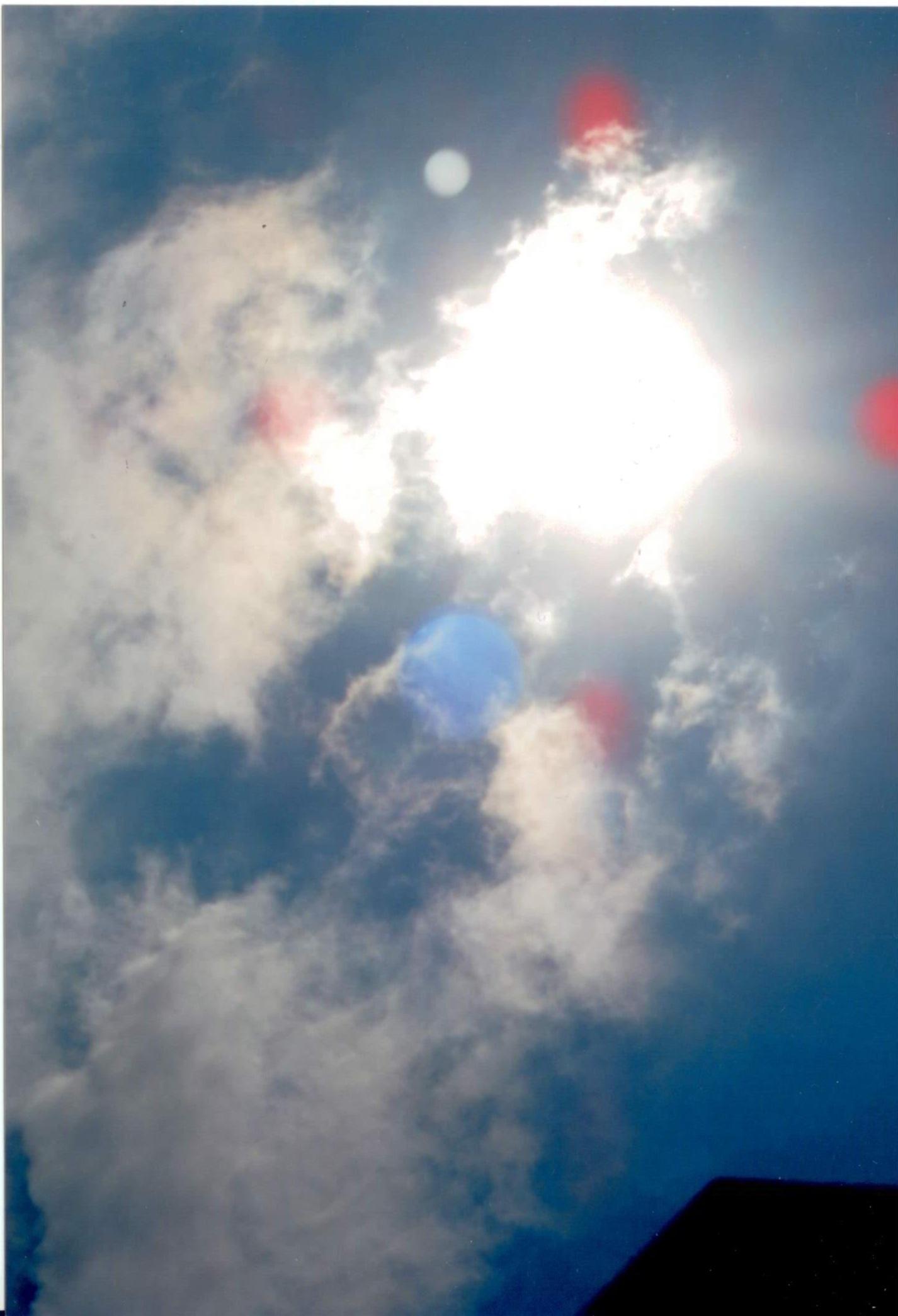 Questi sono I trumolo dei appassiti si chiamano cosi perché controllavano i radiazioni del sole. Ma adesso non hanno più il potere di rovinare la vita alle persone che si sedevano sulle spiagge per riposarsi e invece ritornavi a casa con dolori di tutto il corpo senza sapere il male da dove veniva.