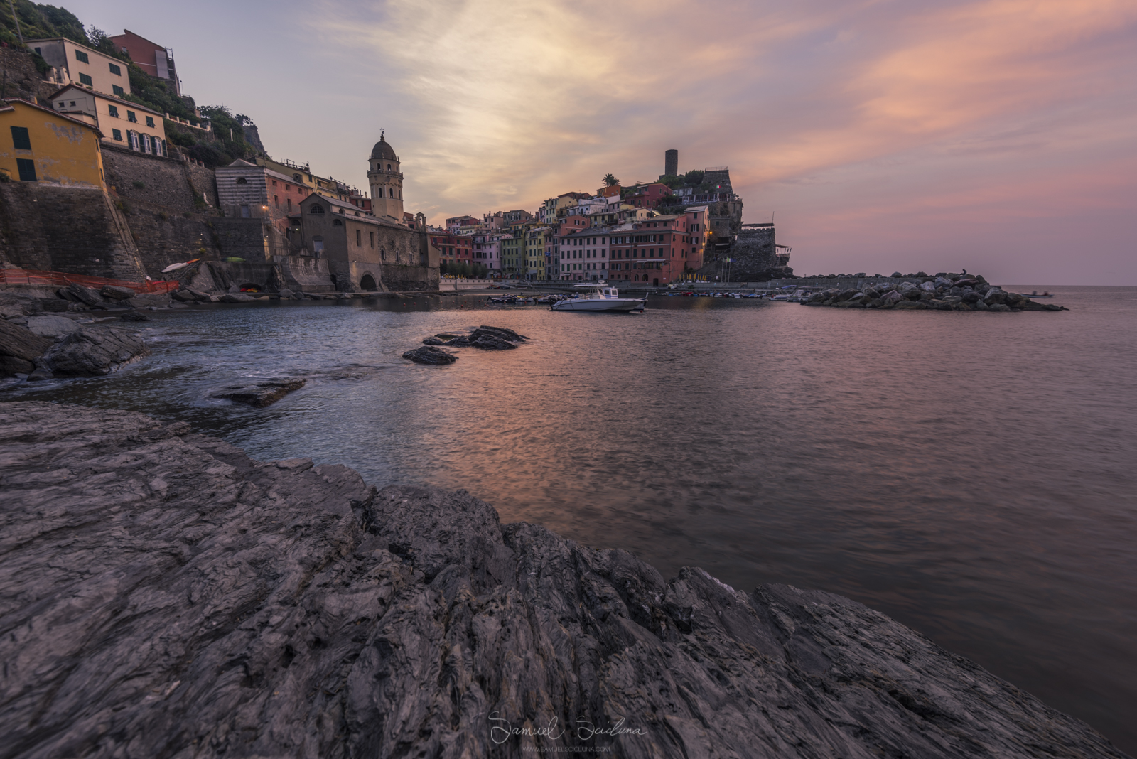 Sunrise at Vernazza - EXIF 0.5 of a second, ISO64 at F8