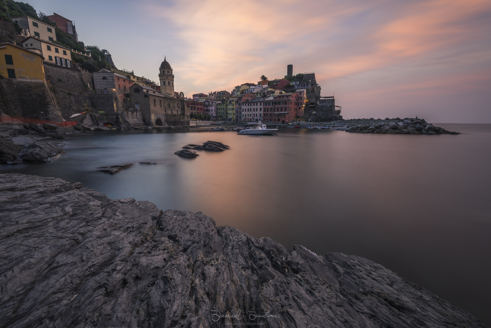 Sunrise at Vernazza - EXIF 240 seconds, ISO64 at F16