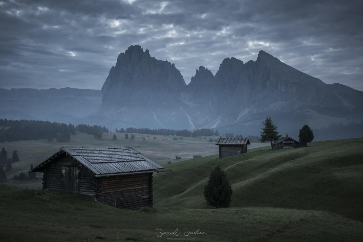 A foggy sunrise at Alpi di Siusi.