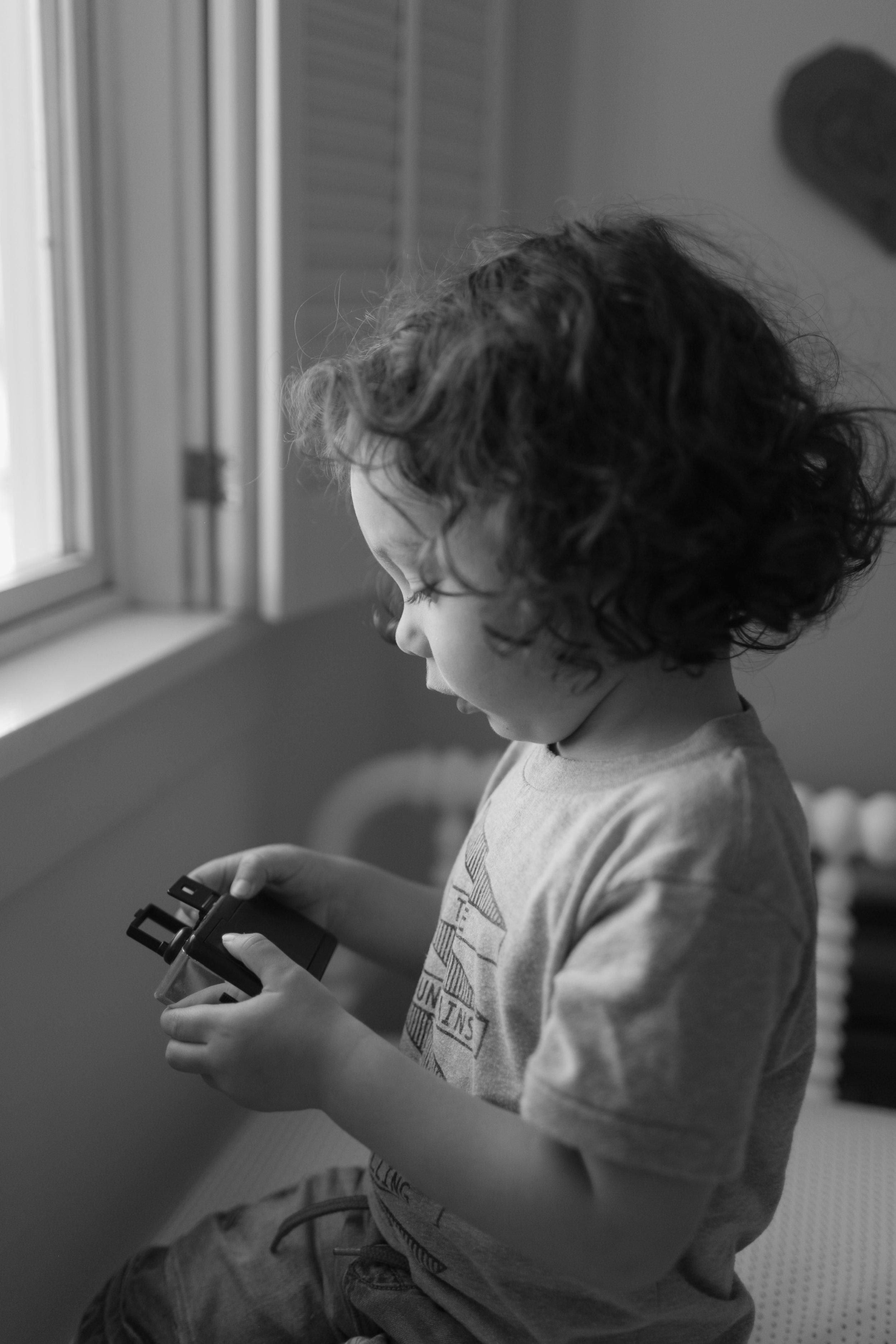 family portrait seattle photographer toddler kids bellevue lifestyle-5.jpg