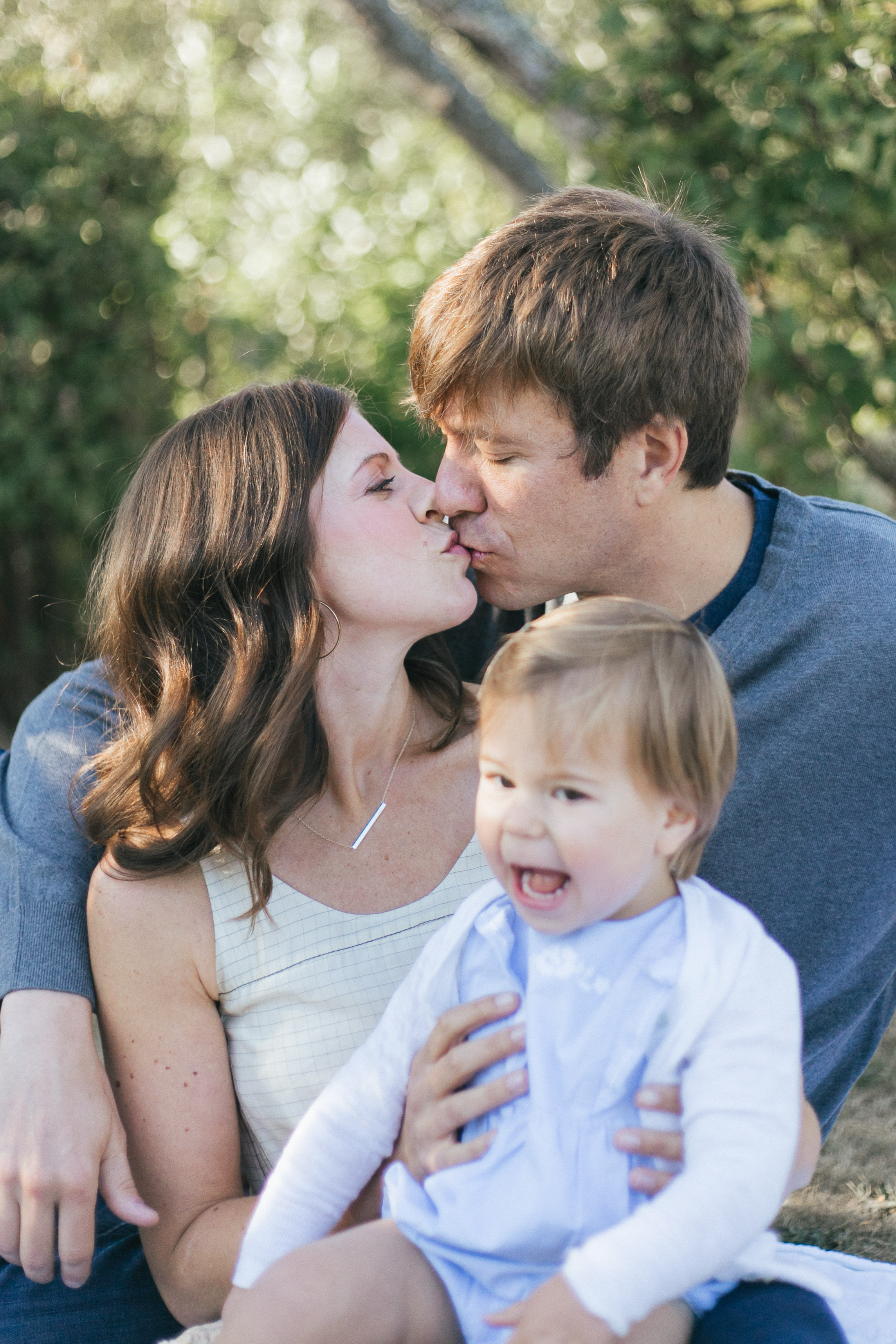 Bellevue Family Photos in Medina Park Chelsea Macor Photography Seattle Lifestyle Photographer-3.jpg