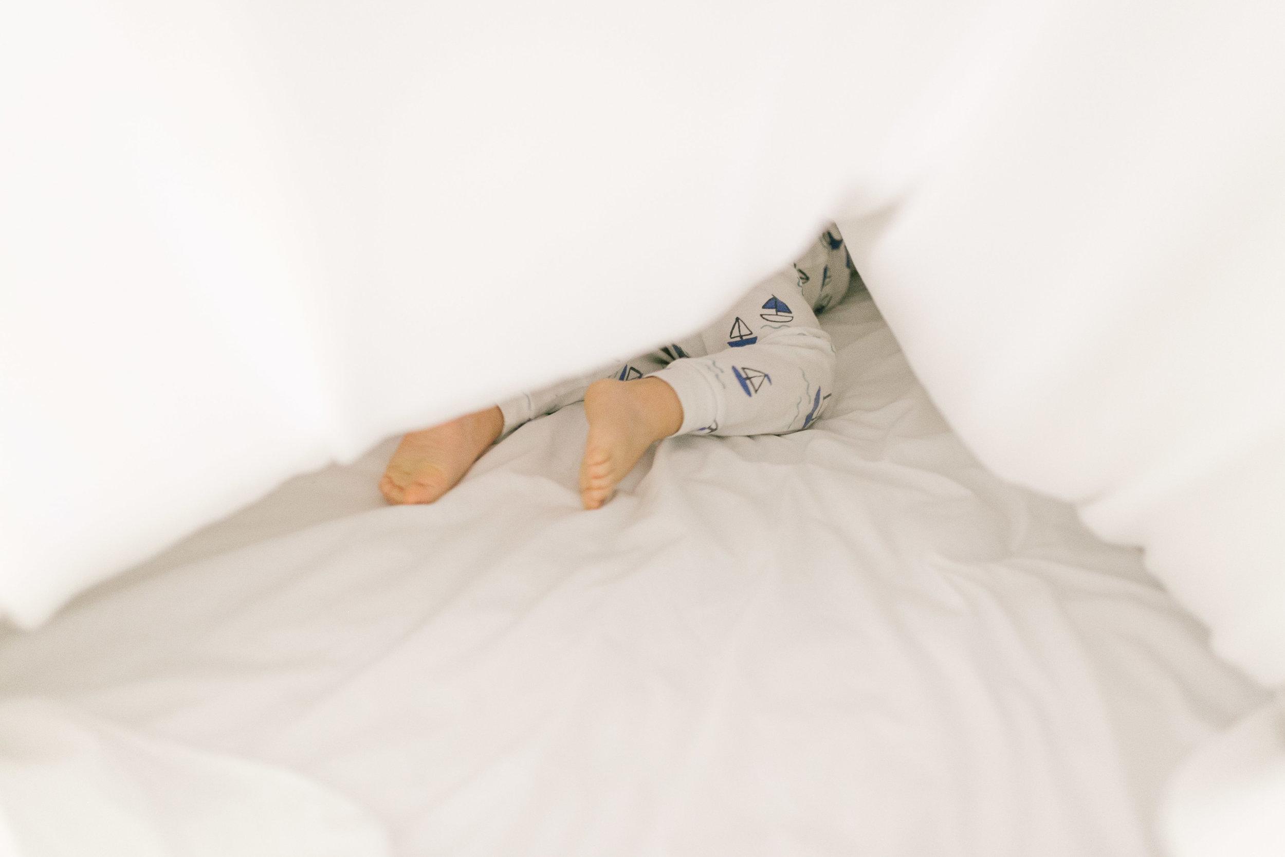 Playful toddler lifestyle portraits, documentary style photography | Chelsea Macor Photography-6.jpg