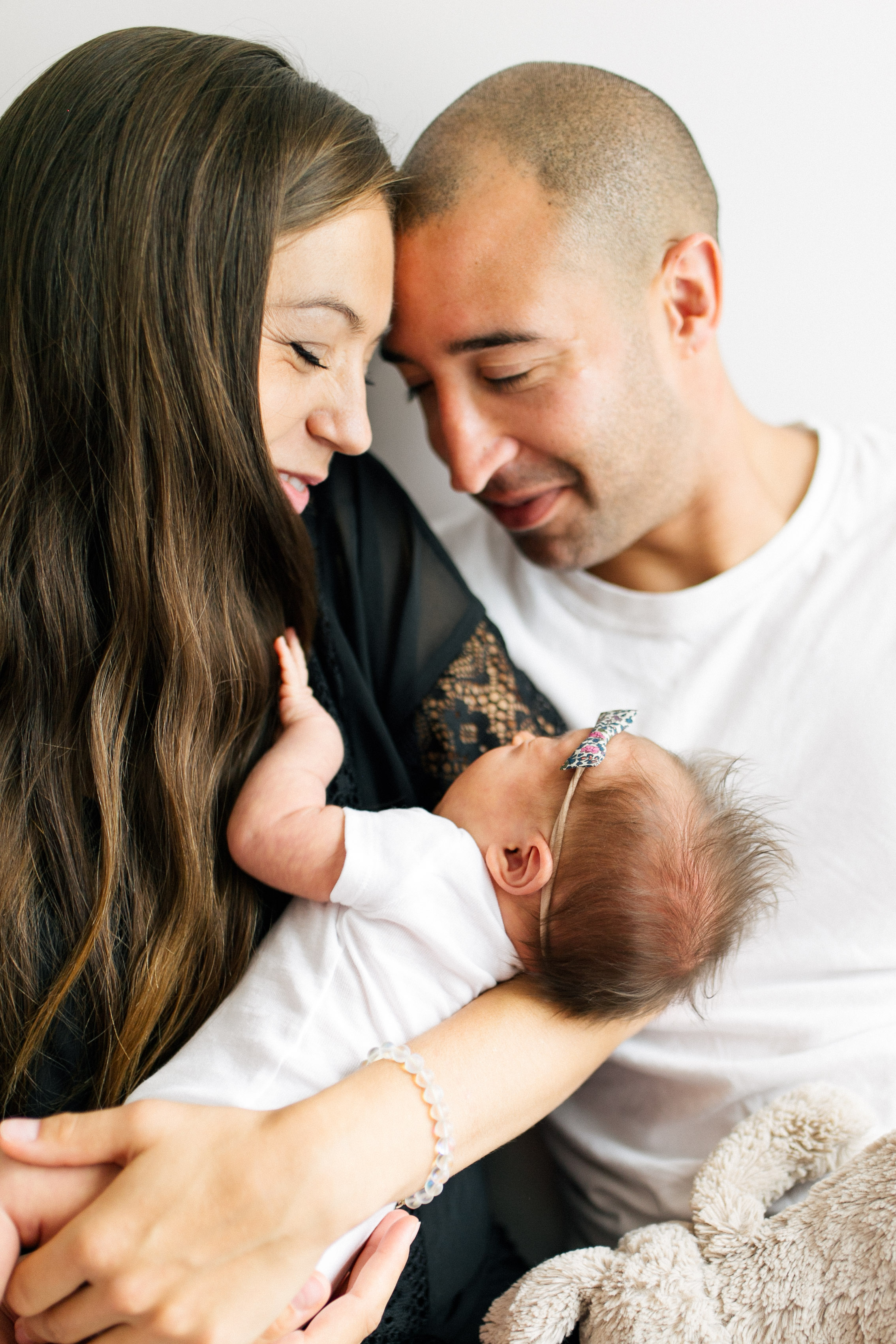 Newborn Family Session, Natural Light in Home, toddler in house lifestyle | Chelsea Macor Photography Seattle WA-7.jpg