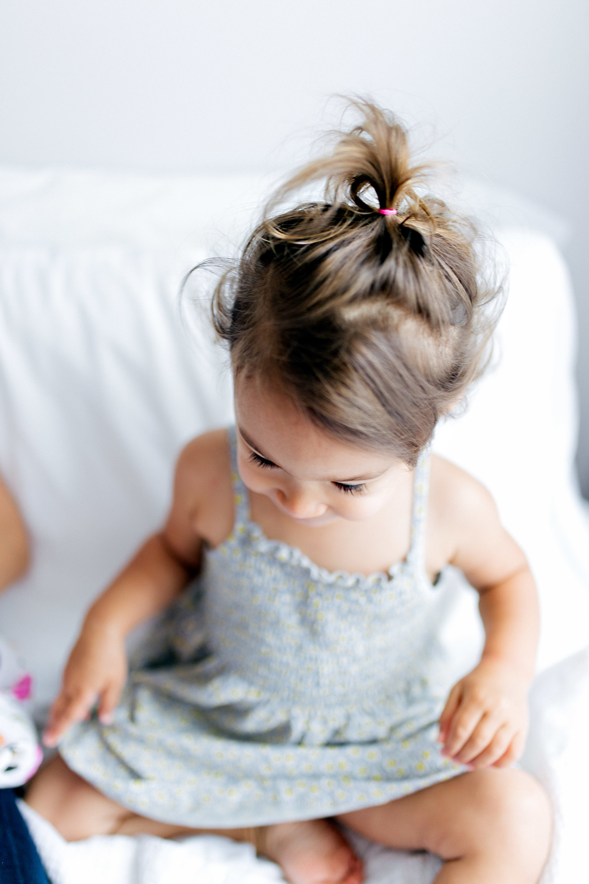 Newborn Family Session, Natural Light in Home, toddler in house lifestyle | Chelsea Macor Photography Seattle WA-28.jpg