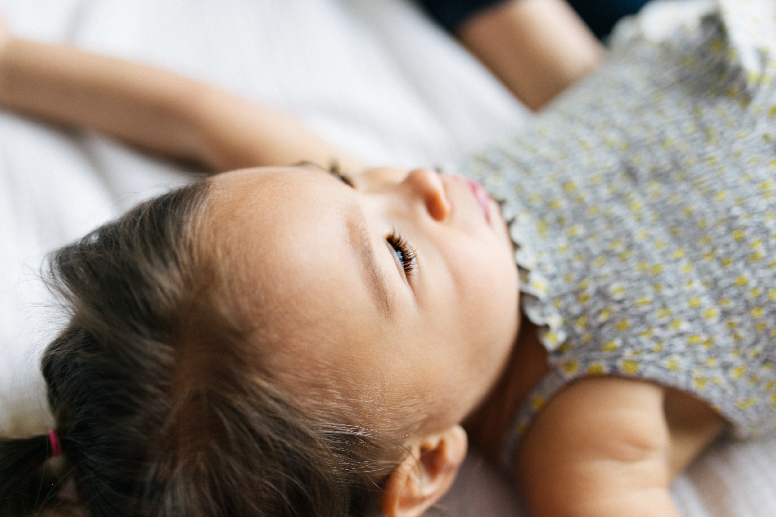 Newborn Family Session, Natural Light in Home, toddler in house lifestyle | Chelsea Macor Photography Seattle WA-11.jpg