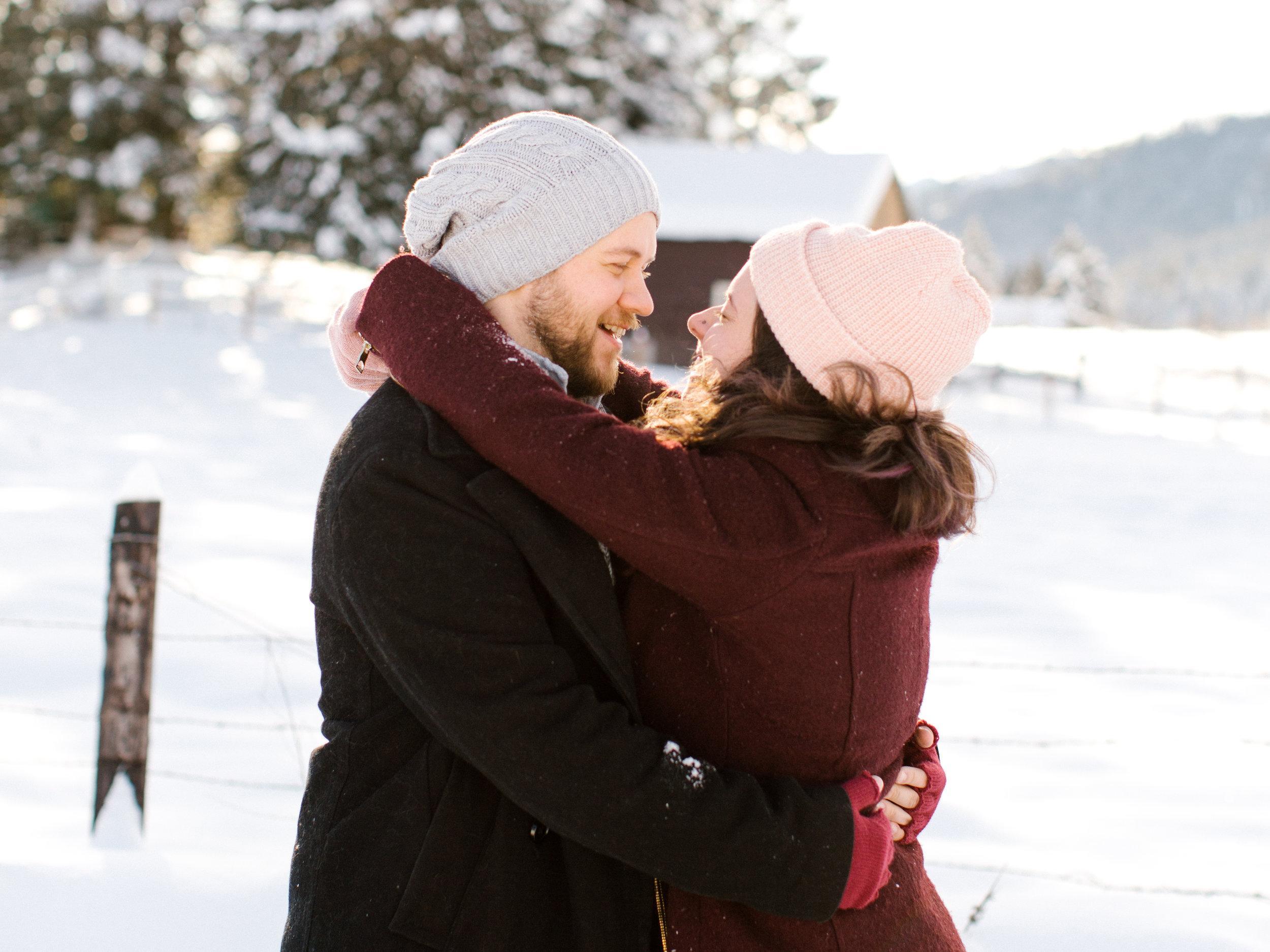 snow couple leavenworth phtos chelsea macor photography-3.jpg