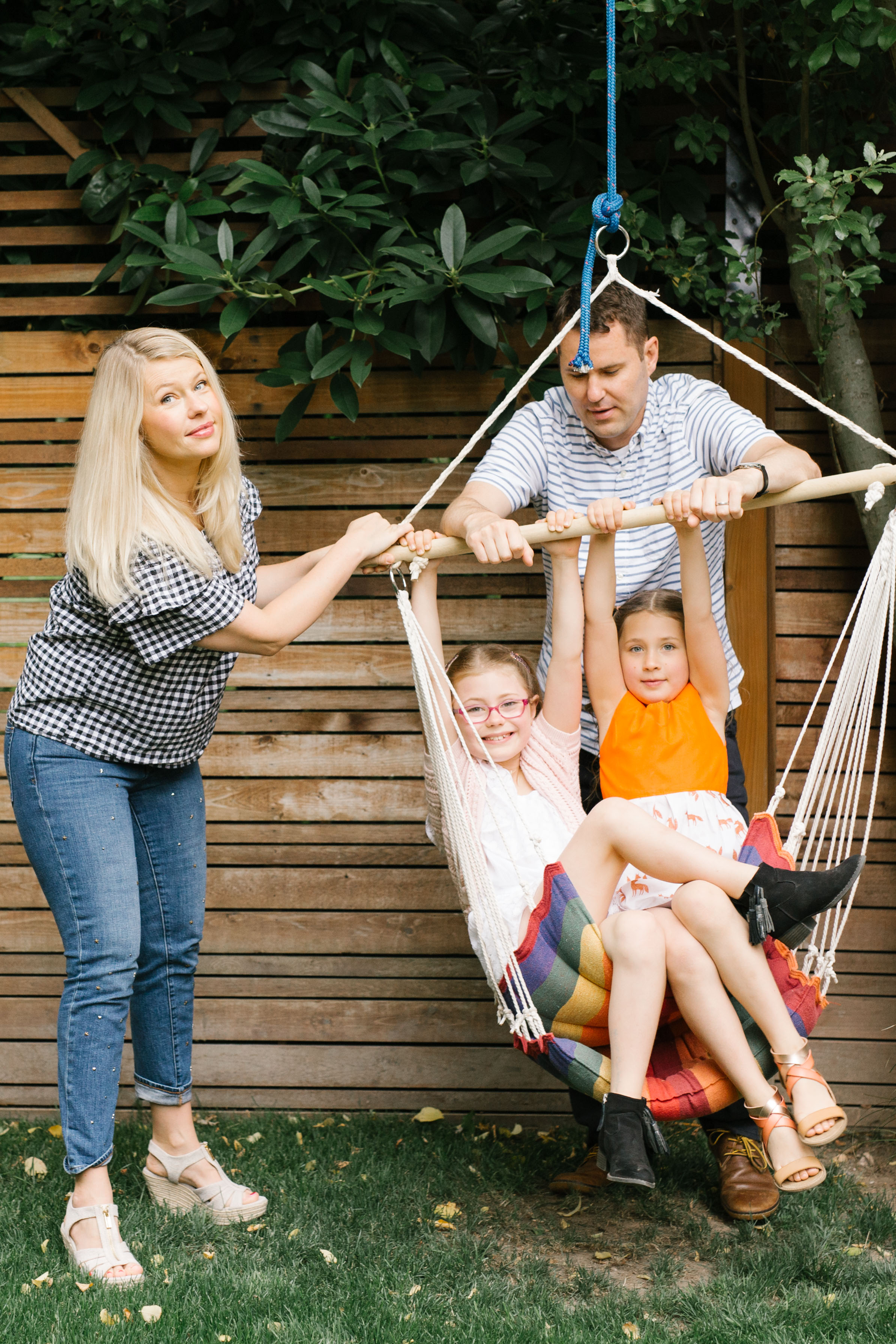 a Chelsea Macor Photography Seattle Eastside Family Photographer Natural Light Lifestlye Home and Outdoor Sessions Kids and Newborn-3.jpg