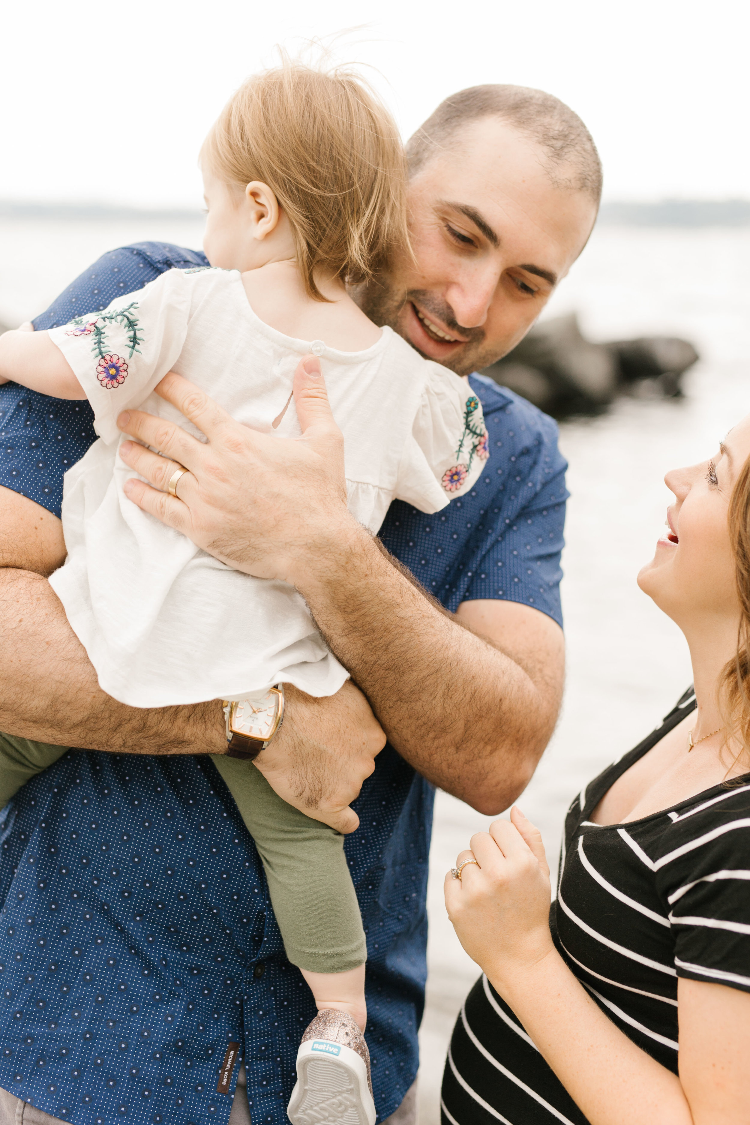 Family Photography Session on the Beach in Seattle Bellevue WA Natural Light Chelsea Macor Photography-11.jpg