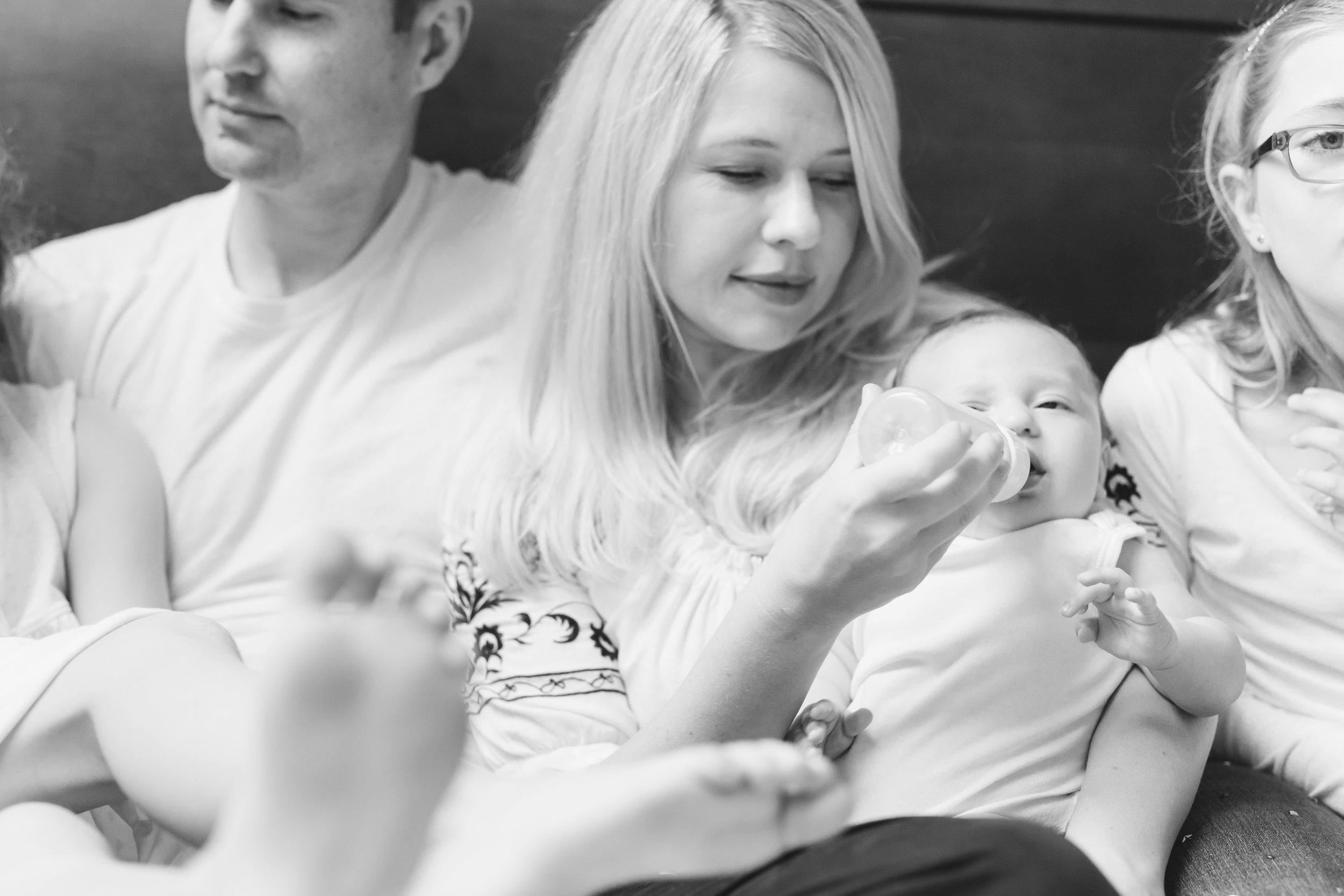 How to decide if an at home family photography session is for you Reasons and examples of Seattle Bellevue home sessions by Chelsea Macor Photography-18.jpg