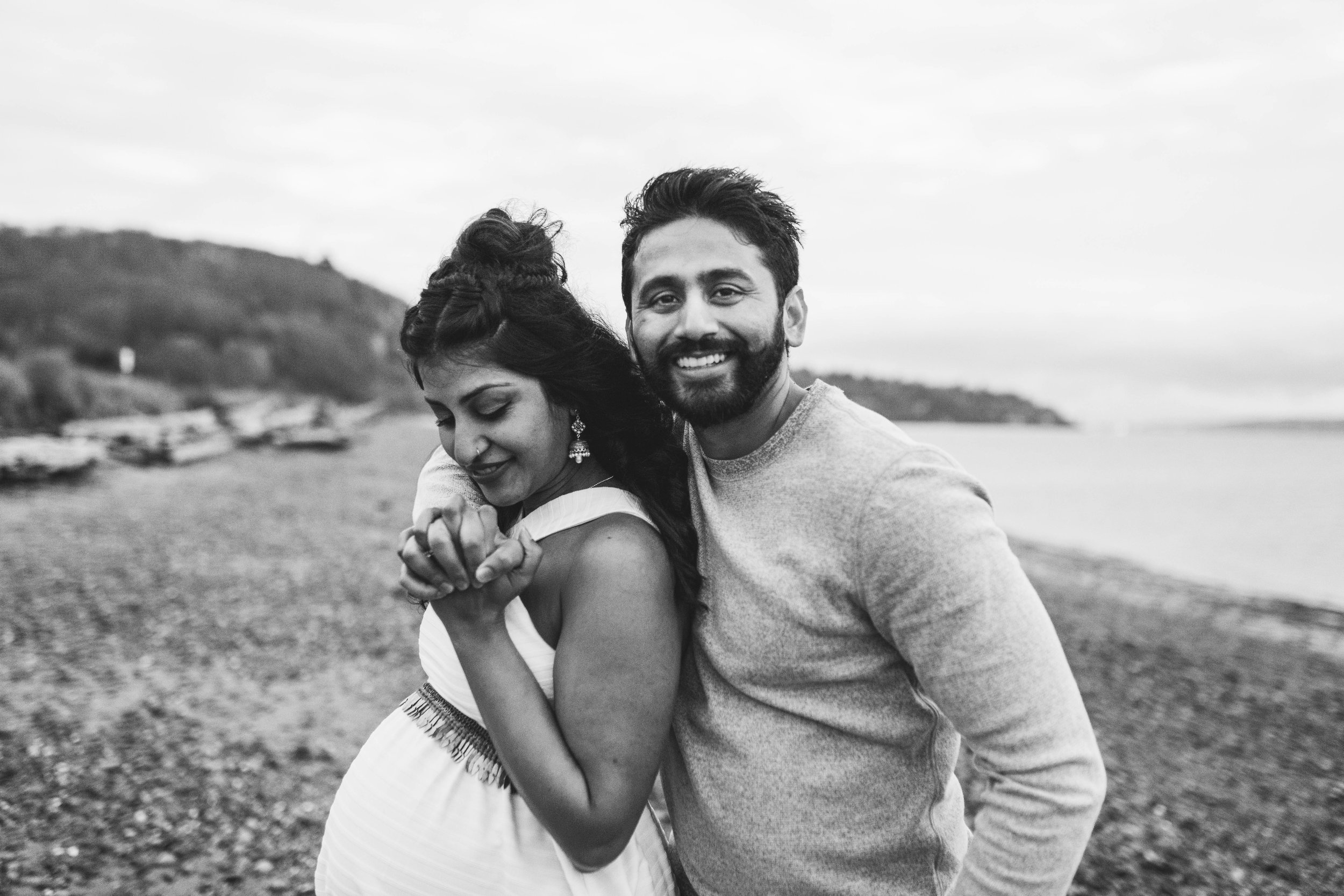 A moody natural light maternity session at Discovery Park in Seattle by Chelsea Macor Photography-19.jpg