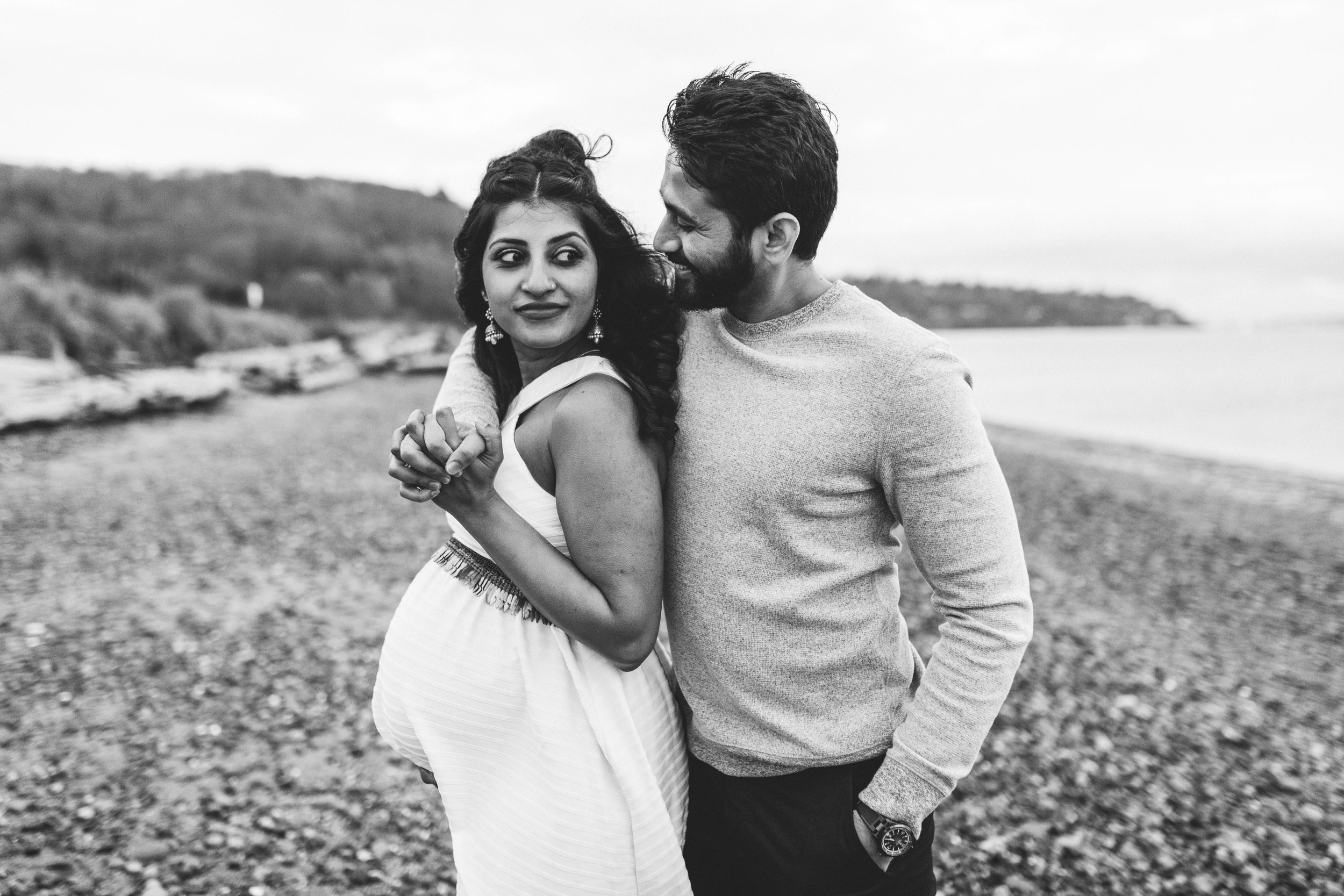 A moody natural light maternity session at Discovery Park in Seattle by Chelsea Macor Photography-21.jpg