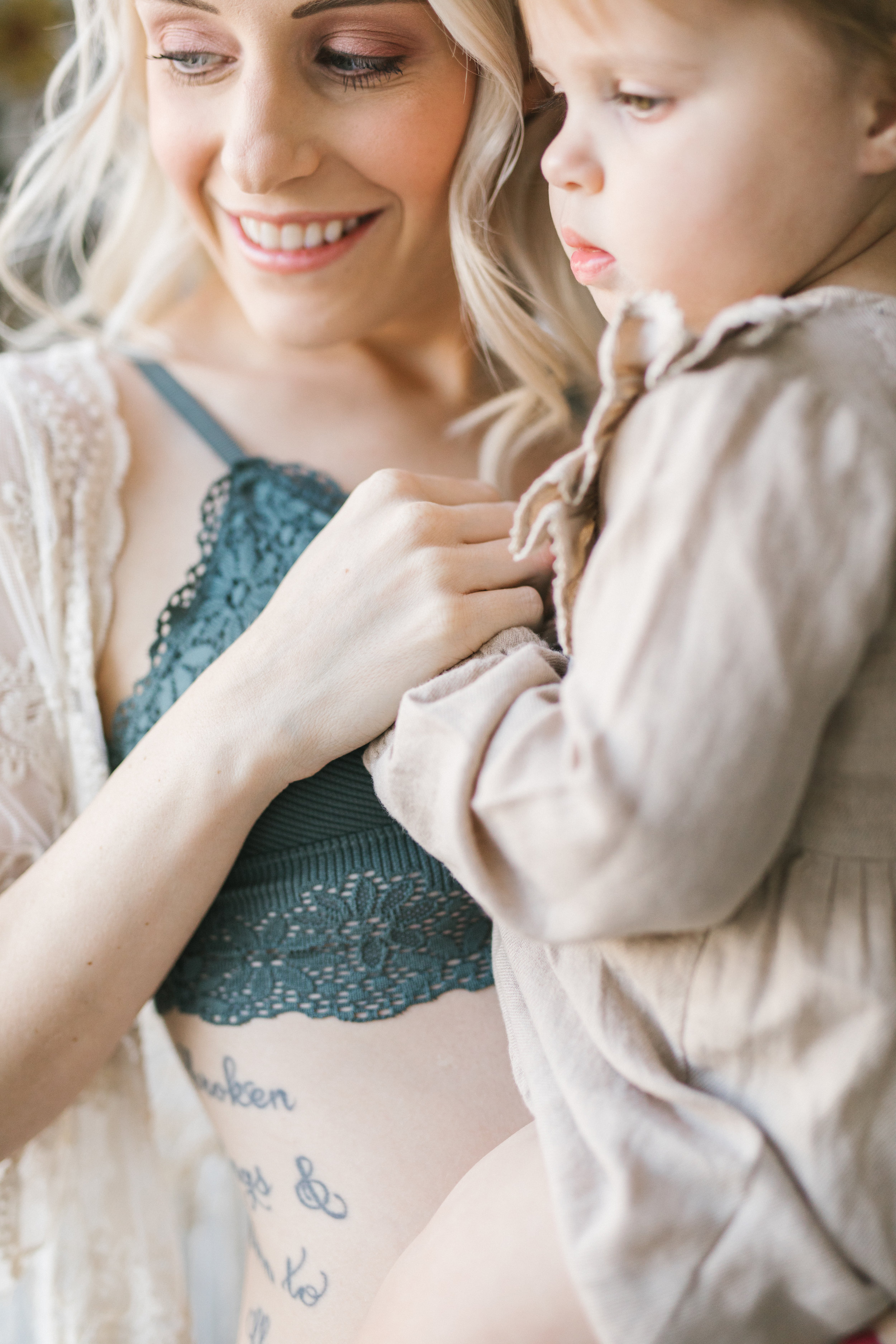 Light Floral Seattle Studio Maternity Session by Chelsea Macor Photography