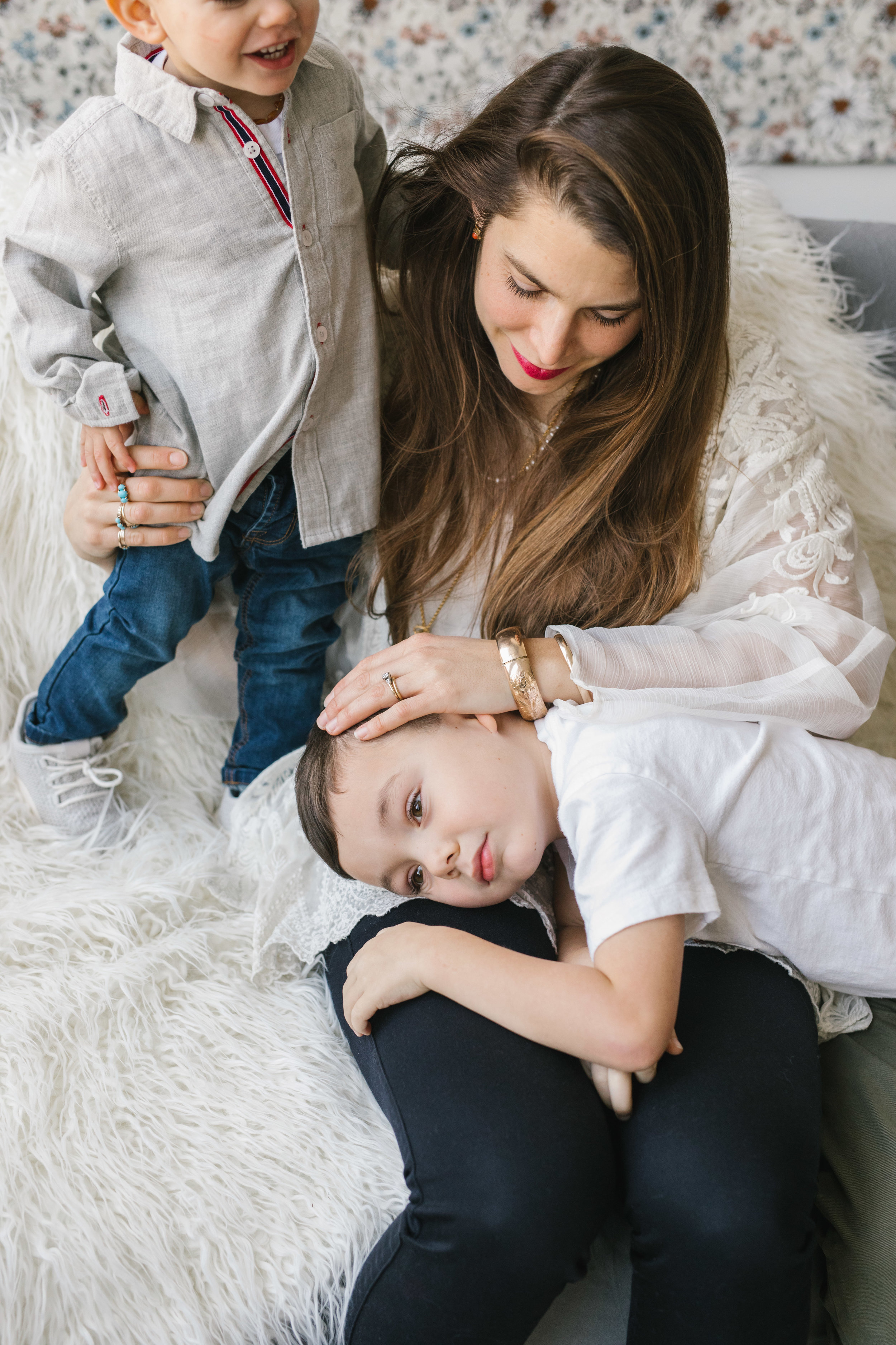 Beautiful intimate authentic mother and children seattle family photography session by Chelesea Macor Photography-10.jpg