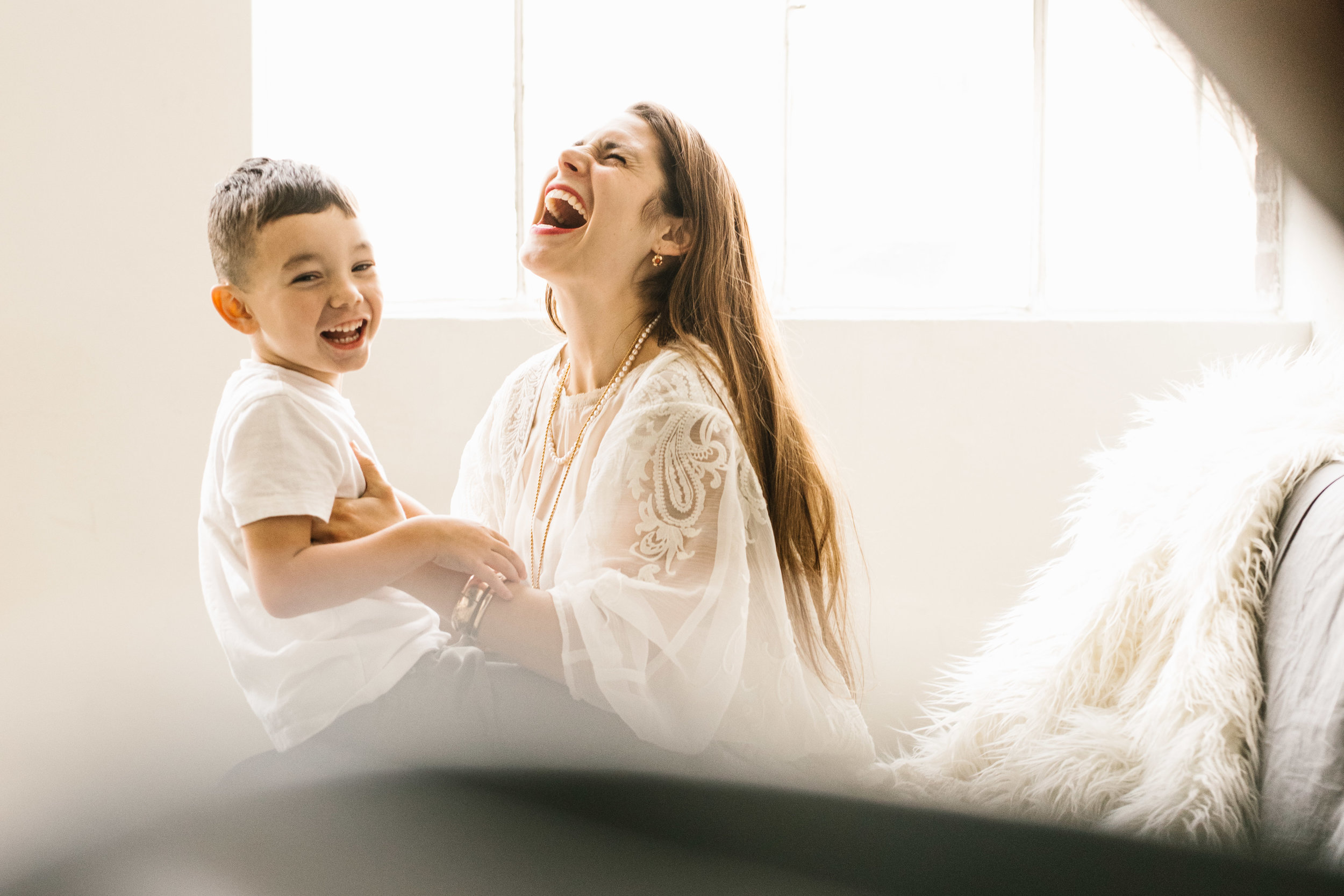 Beautiful intimate authentic mother and children seattle family photography session by Chelsea Macor Photography #seattlefamilyphotographer #seattlemotherhoodportraits #naturallightphotography #authenticfamilyphotos