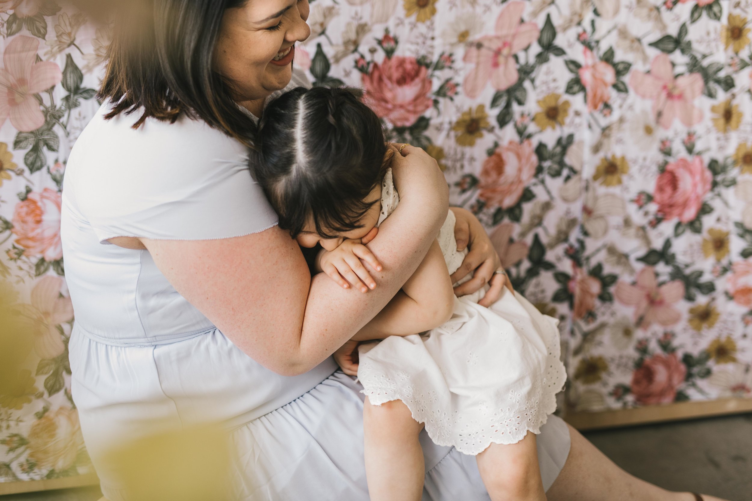 Strong beautiful mother and daughter session in a seattle studio with chelsea macor photography #seattlemotherhoodphotographer #seattlefamilyphotographer #seattlematernityphotographer
