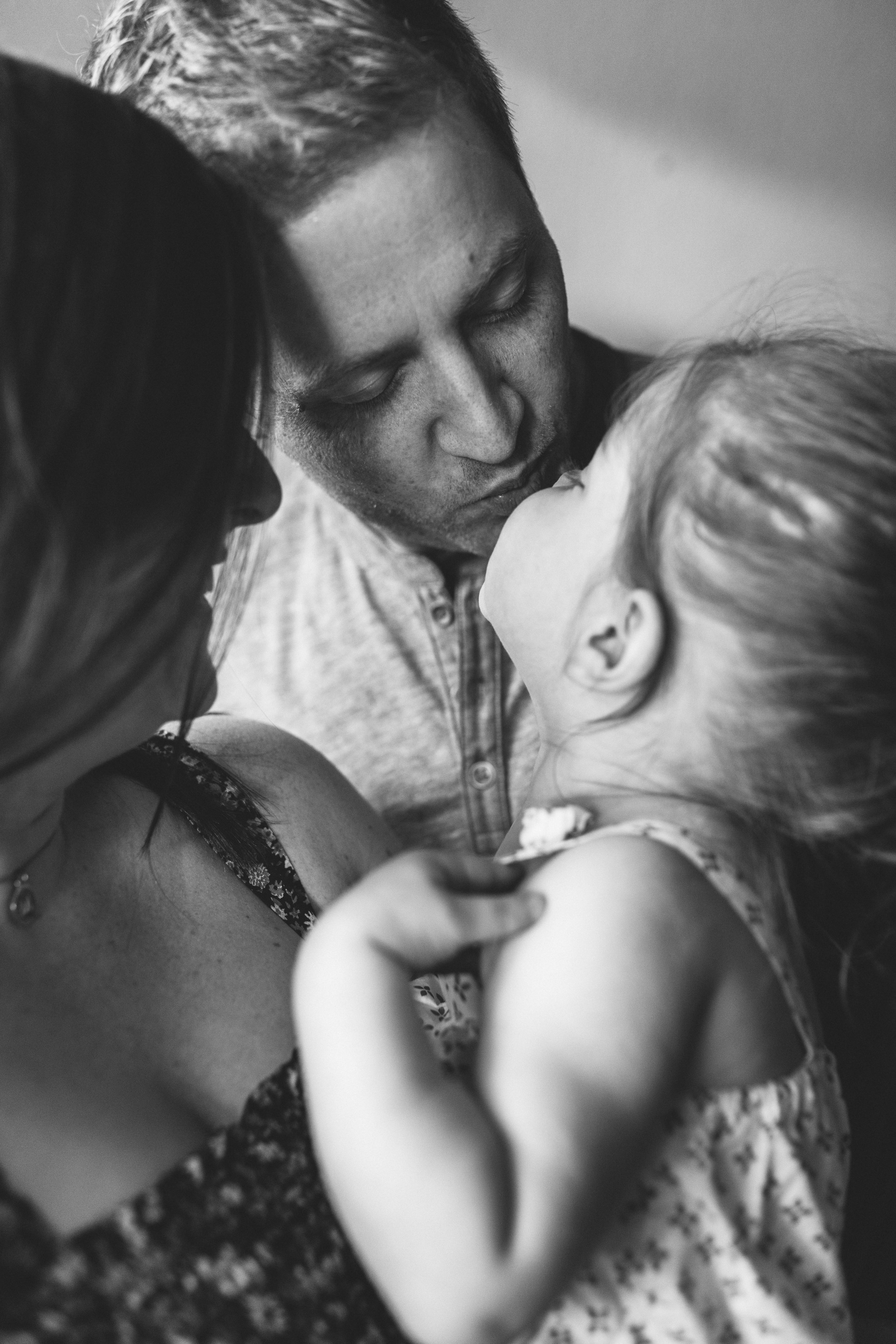 In-home maternity session with sweet family in Seattle with Chelsea Macor Photography-7.jpg