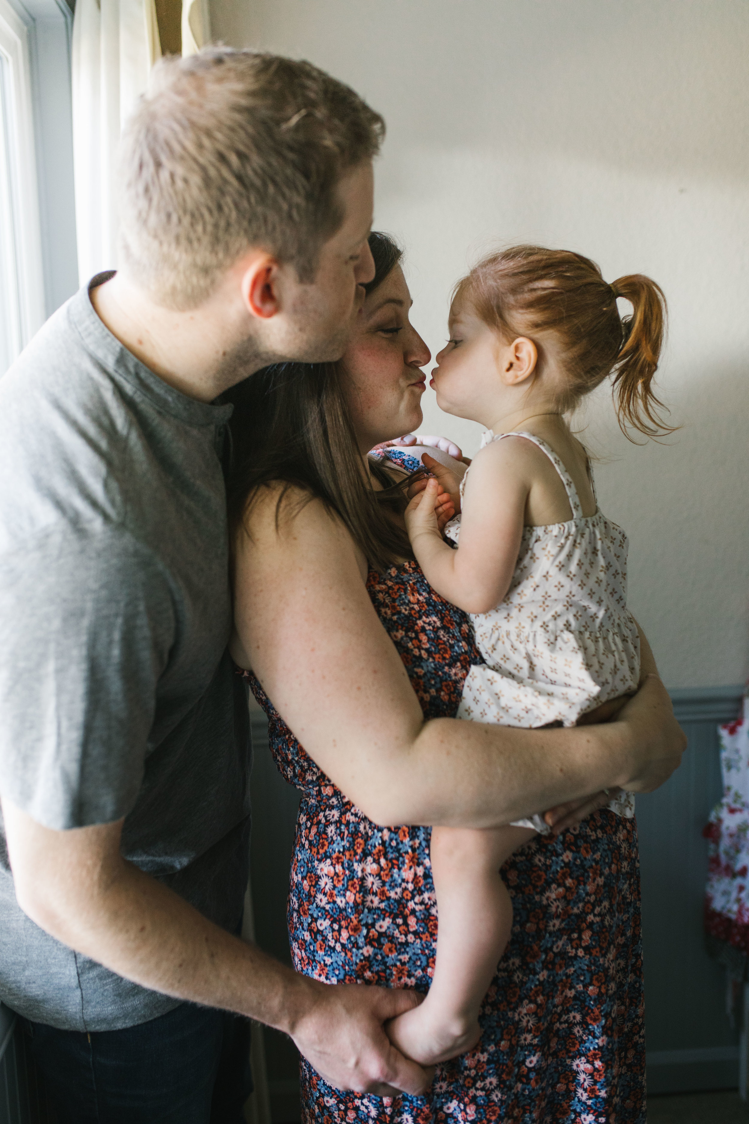 In-home maternity session with sweet family in Seattle with Chelsea Macor Photography-9.jpg